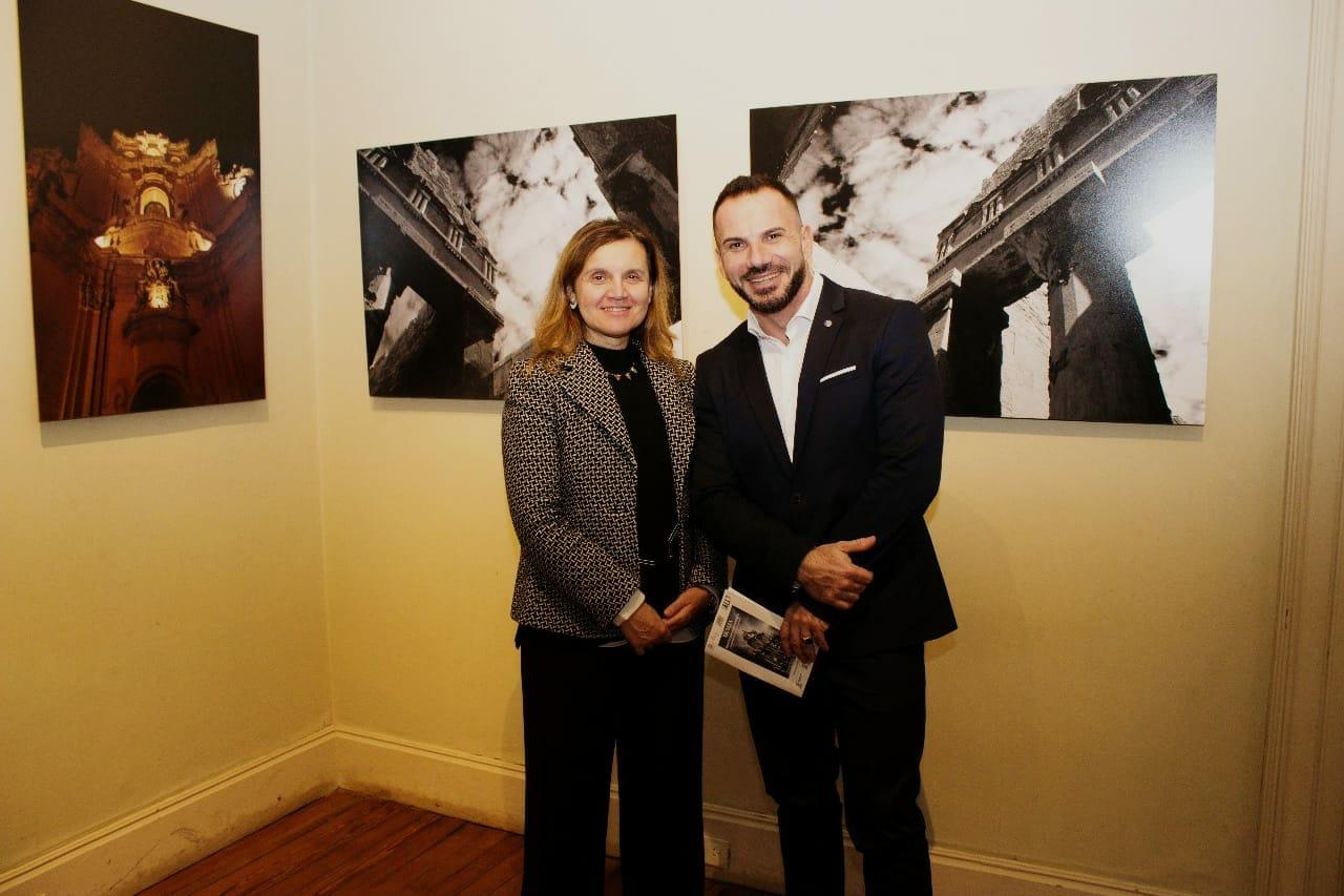 Donatella Cannova del Instituto Italiano de Cultura y Fréderic Vacheron representante de UNESCO