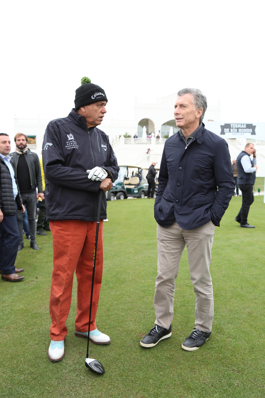 Mauricio Macri y Eduardo Romero en la inauguración del primer campo de golf público de nivel internacional en nuestro país, ubicado en Termas de Río Hondo