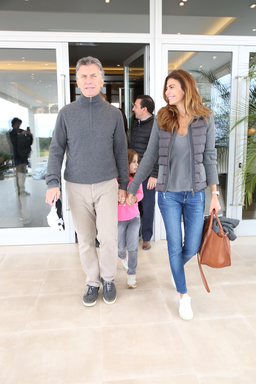El Presidente arribó a Santiago del Estero en compañía de la primera dama, Juliana Awada, y de su hija Antonia