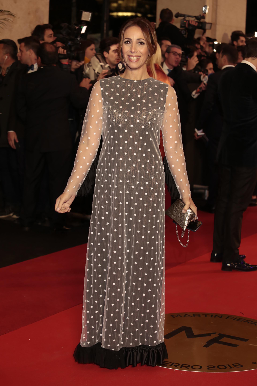 Paula Varela vestida por León Varela en un diseño de polka dot de tul y raso
