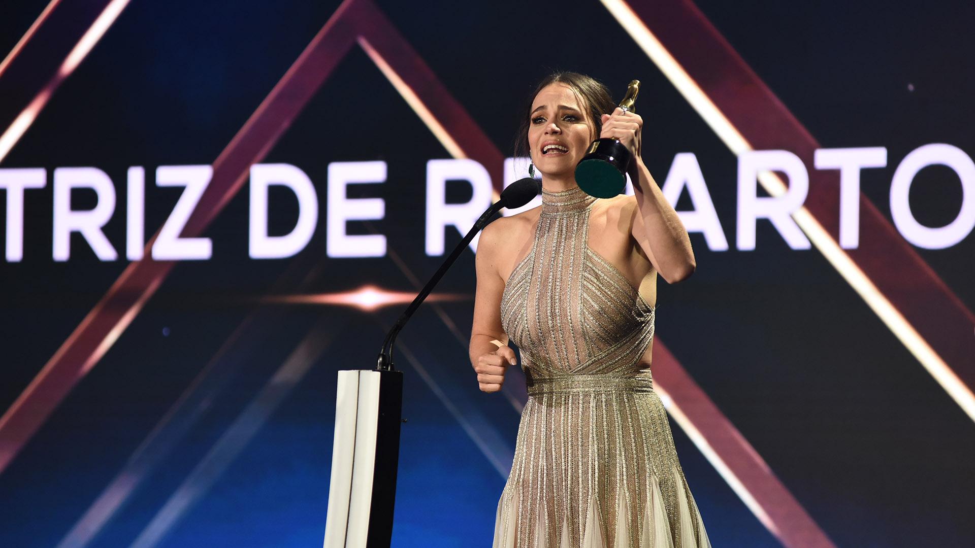 """Luz Cipriota, emocionada por su premio como Mejor Actriz de Reparto por su trabajo en """"El Maestro"""""""