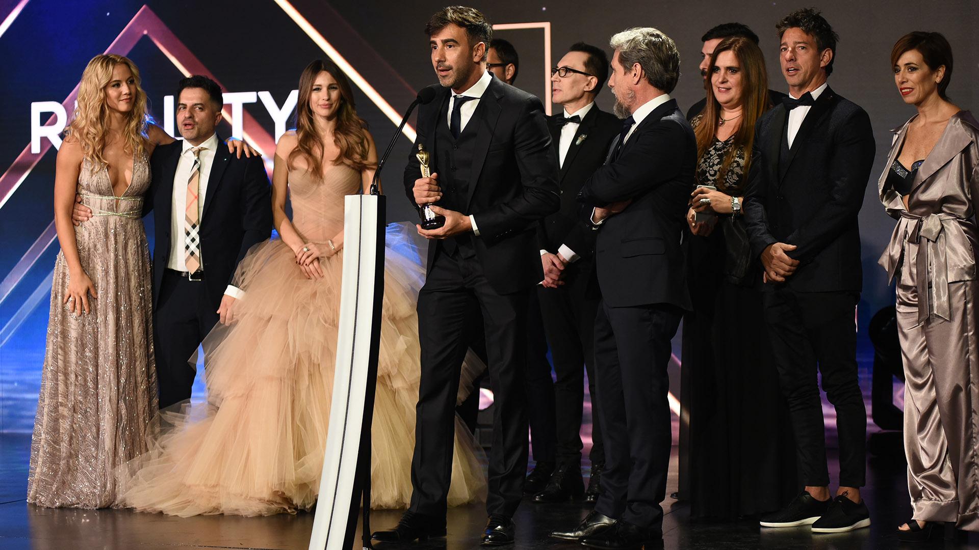 Sin Marcelo Tinelli, que estaba en Mar del Plata, Federico Hoppe, junto al team de Showmatch-Bailando, agradeció el premio como Mejor Reality