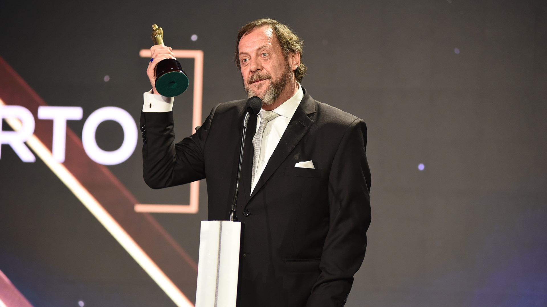 """Luis Luque, para algunos """"casi irreconocible"""" (mucho más flaco y elegante), ganó como Mejor Actor de Reparto en Unitario"""