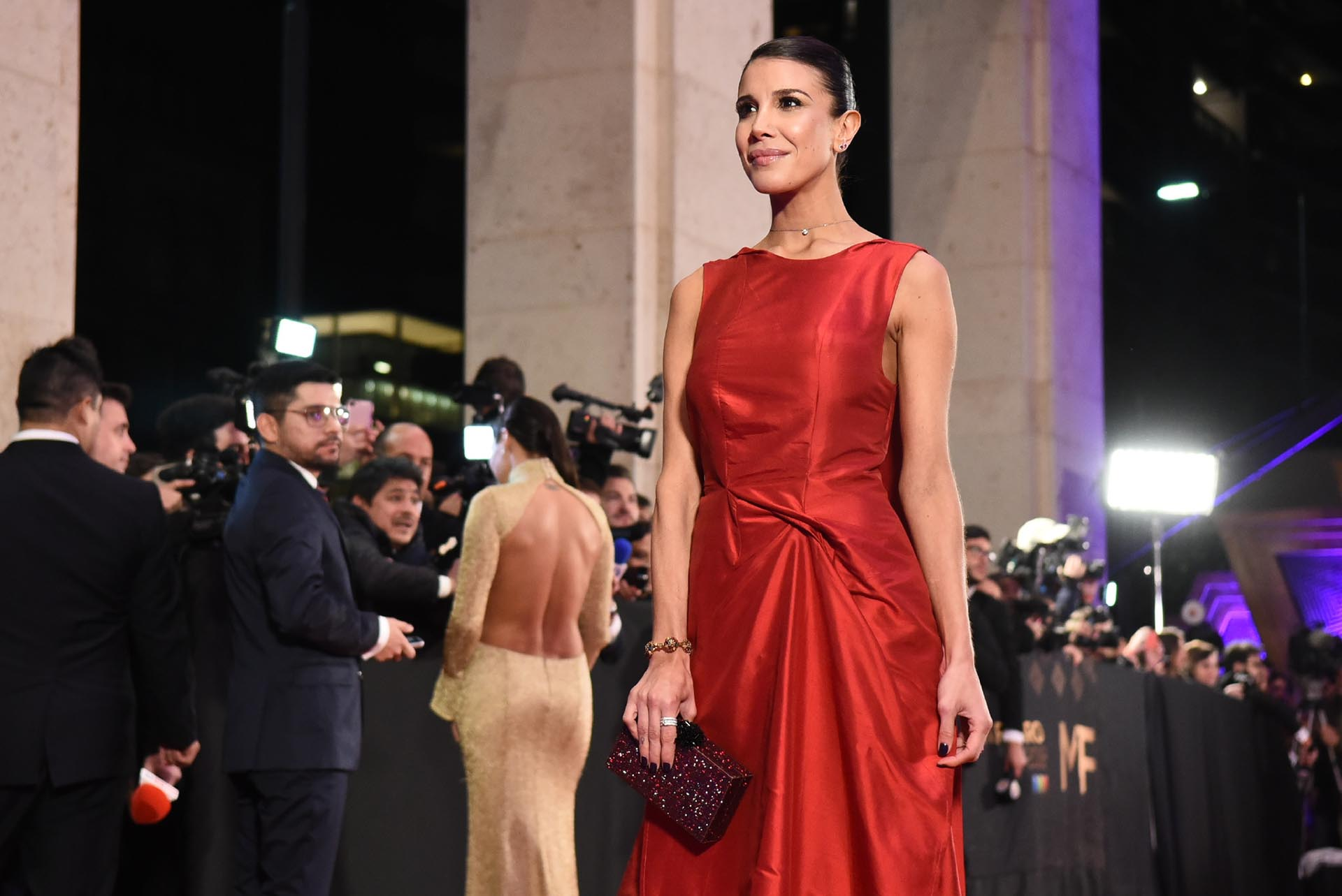 "Andrea Rincón, actriz de ""Un gallo para Esculapio"", llegó sola a la fiesta"