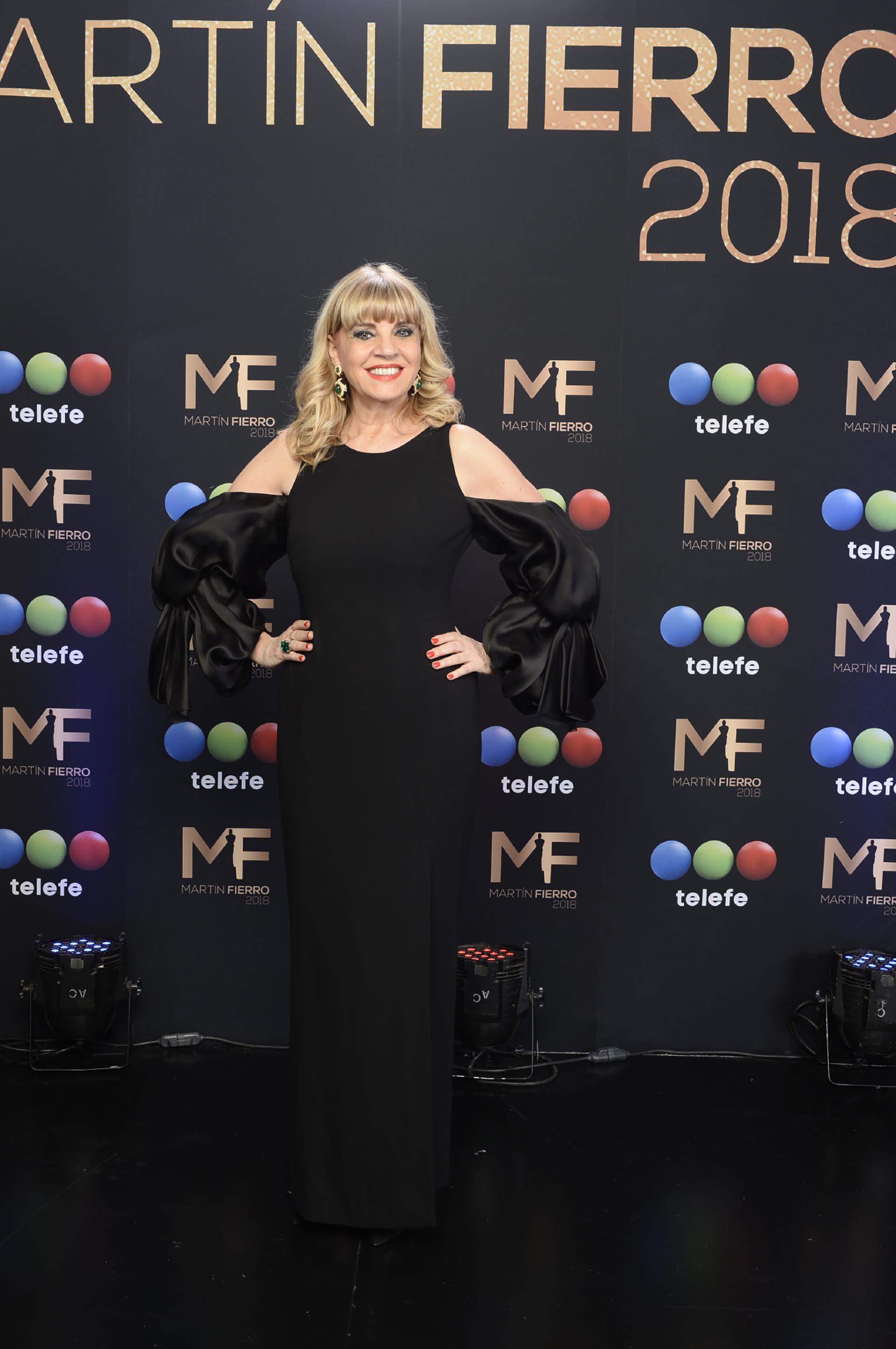 Teté Coustarot, más espléndida que nunca, acompañó a su gran amiga, Susana Giménez, y pasó gran parte de la noche conversando con Adrián Suar