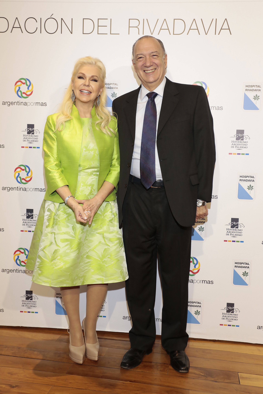 Diana Chugri y Eduardo Fernández Rostello, director del Hospital Bernardino Rivadavia