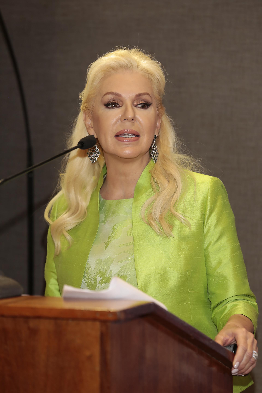 La presidenta de la Fundación Argentina por Más, Diana Chugri, durante su discurso