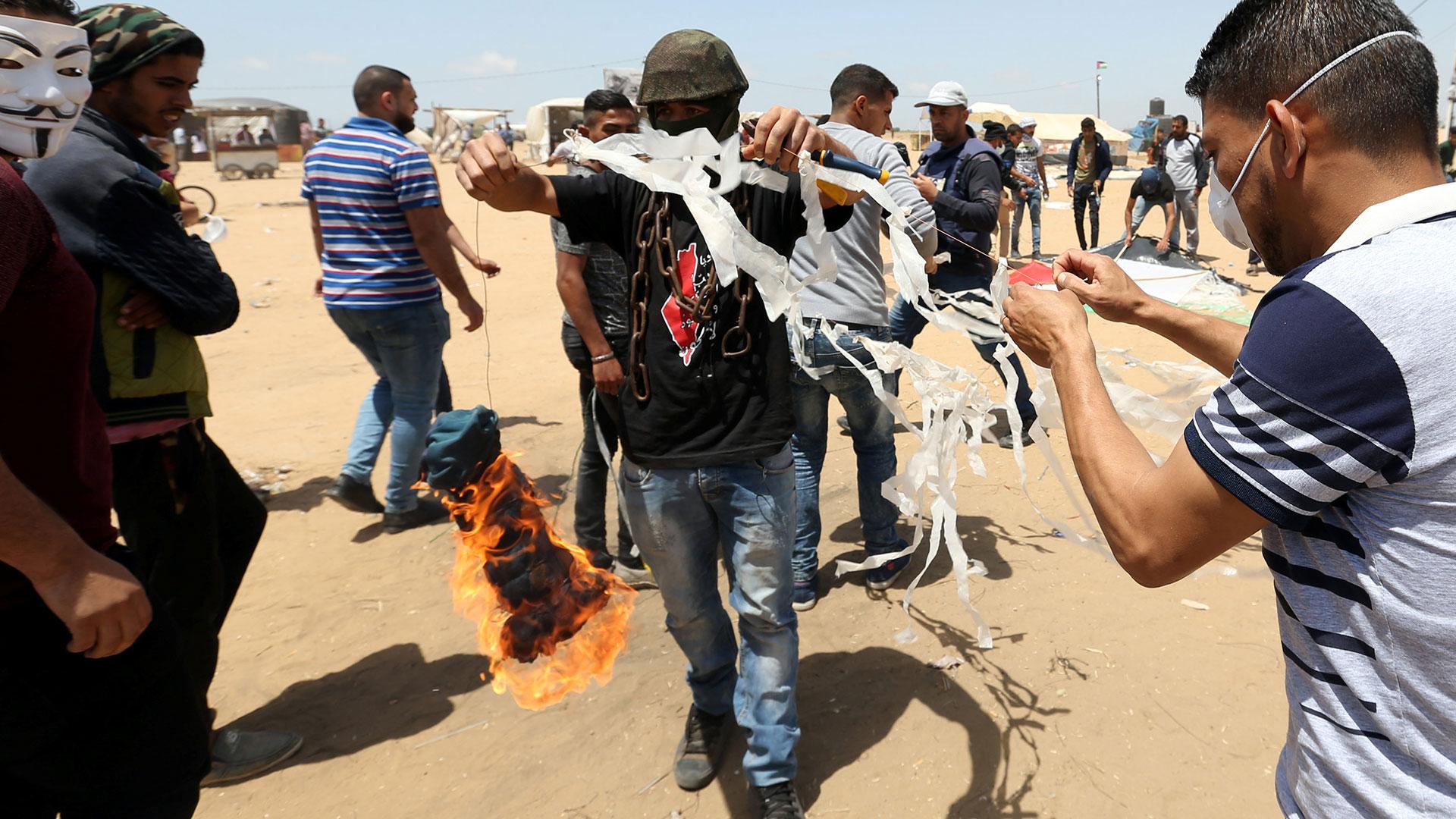 Las protestas y la violencia en la frontera entre Gaza e Israel vienen en alza (Reuters)