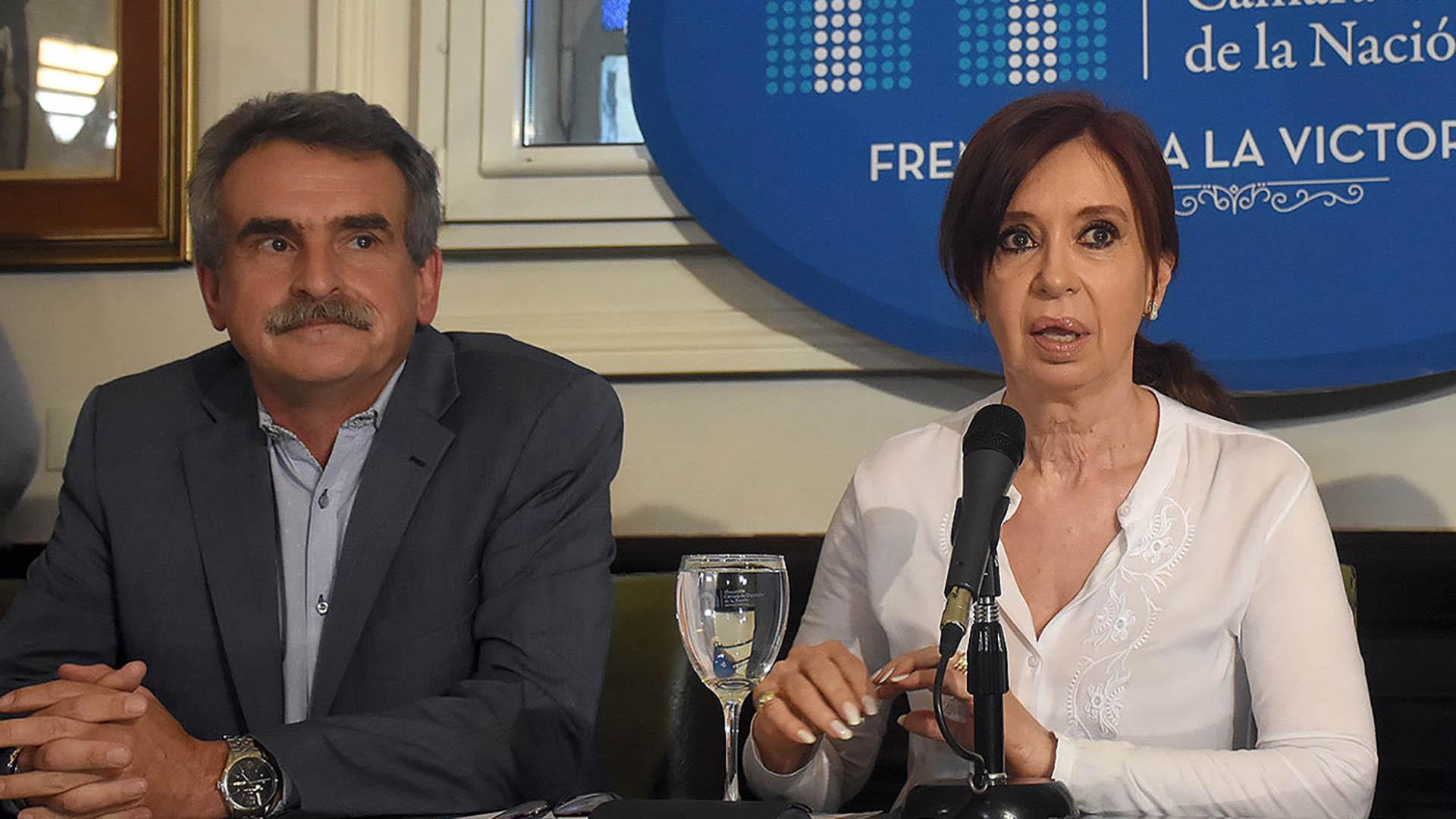 Rossi junto a la ex presidenta Cristina Kirchner (Nicolás Stulberg)