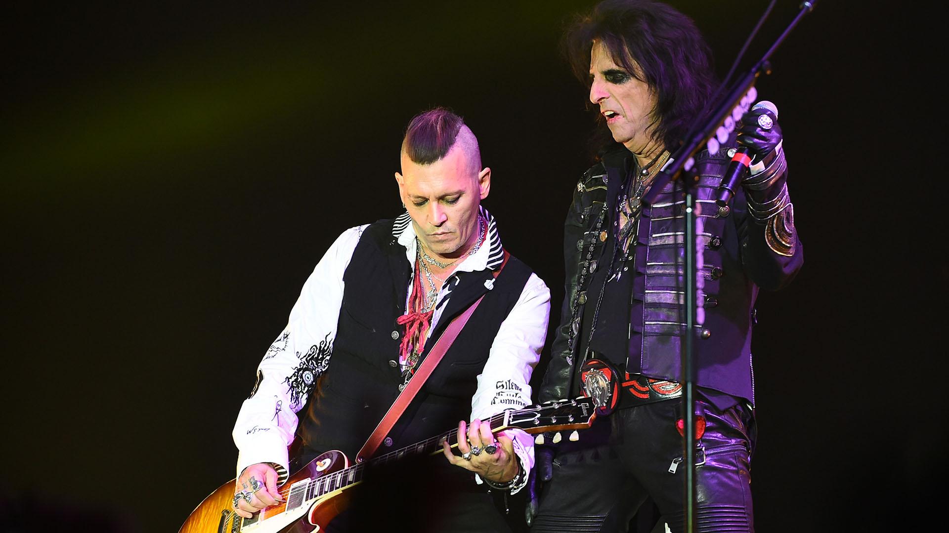 Johnny Depp junto a Alice Cooper en Suecia (Grosby Group)