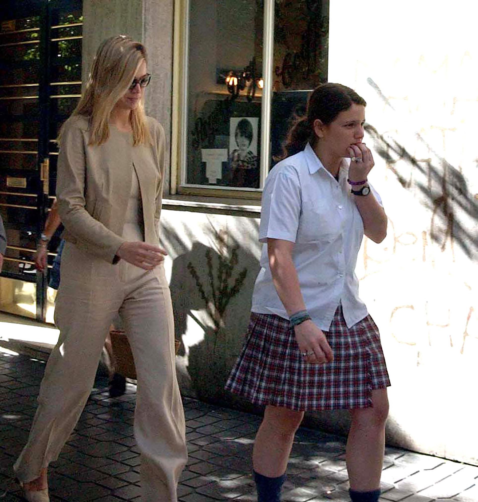 Pocos meses después de su boda, Máxima viajó a Buenos Aires para estar presente en la graduación de su hermana que se recibía de bachiller bilingüe en el Colegio Palermo Chico (PikoPress)