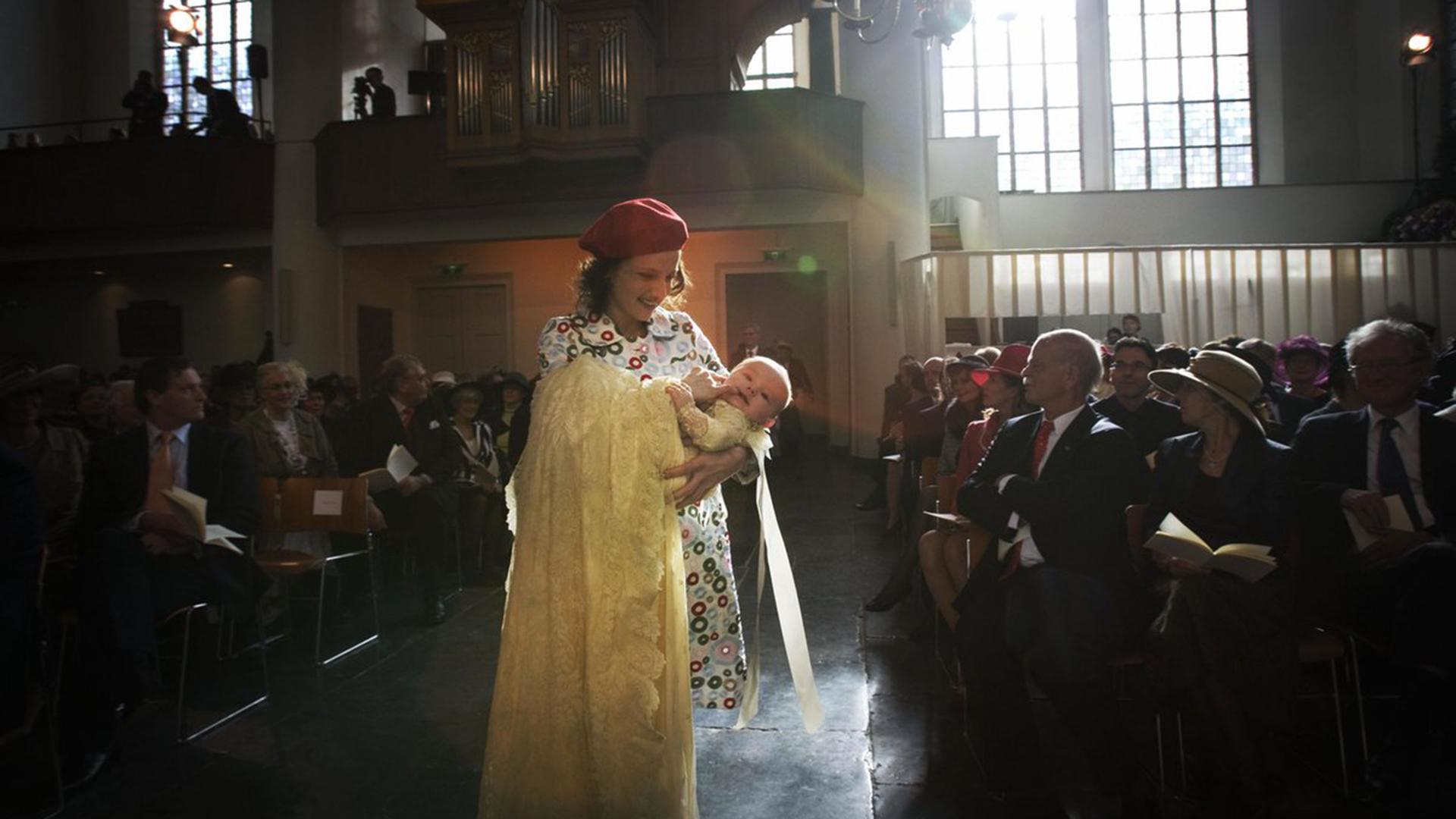 Ariadna fue autizada en La Haya, en la iglesia de la Abadía, el 20 de octubre de 2007. El sacerdote Deodaat van der Boon usó agua del río Jordán durante la ceremonia de bautismo. Hubo 850 invitados, entre ellos el primer ministro holandés Jan Peter Balkenende