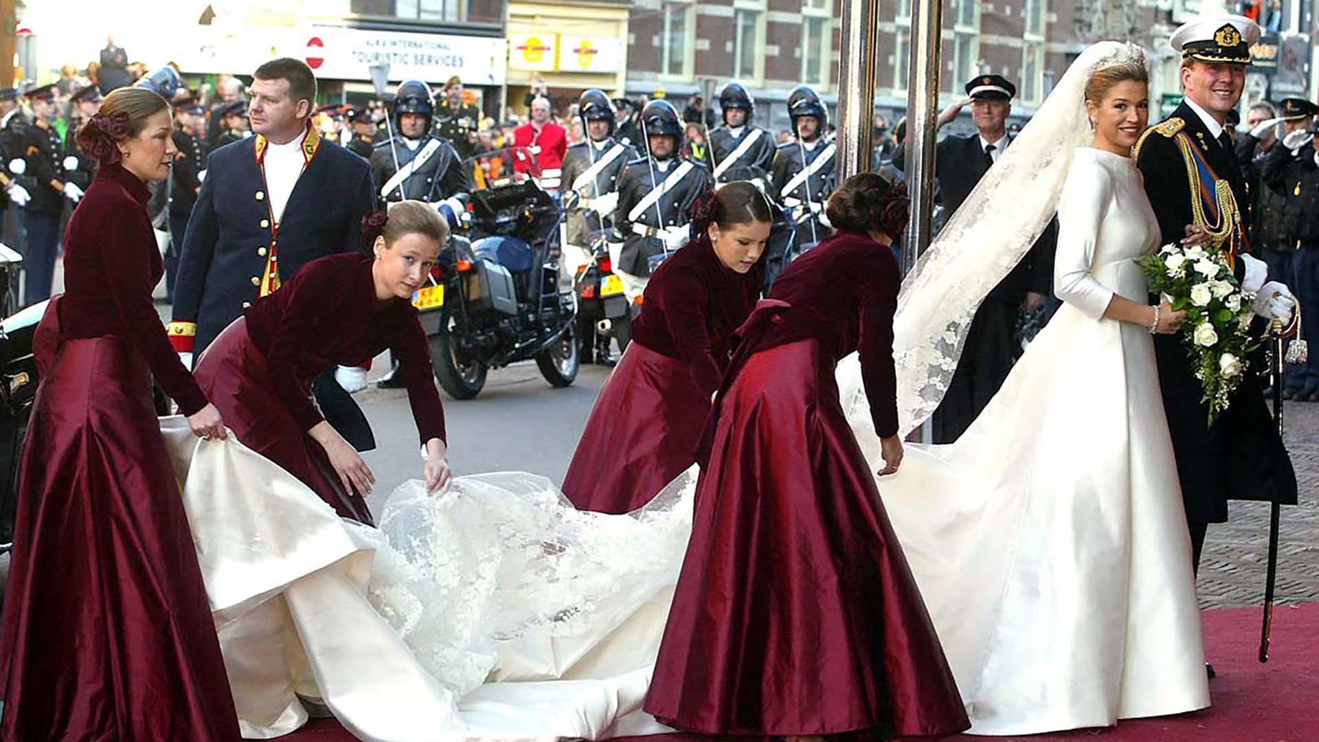 """El 2 de febrero de 2002, Máxima se casó con Guillermo de Holanda. Inés fue una de sus Damas de Honor. Tenía 16 años y estaba por terminar la secundaria. En el libro """"Máxima, una historia real"""" se describe: """"Llegó a Holanda con un estudiado look dark, que horrorizaba a María Pame y preocupó a algunos consejeros de la corona. Máxima, amable y tajante, advirtió que no se metieran con ella"""""""
