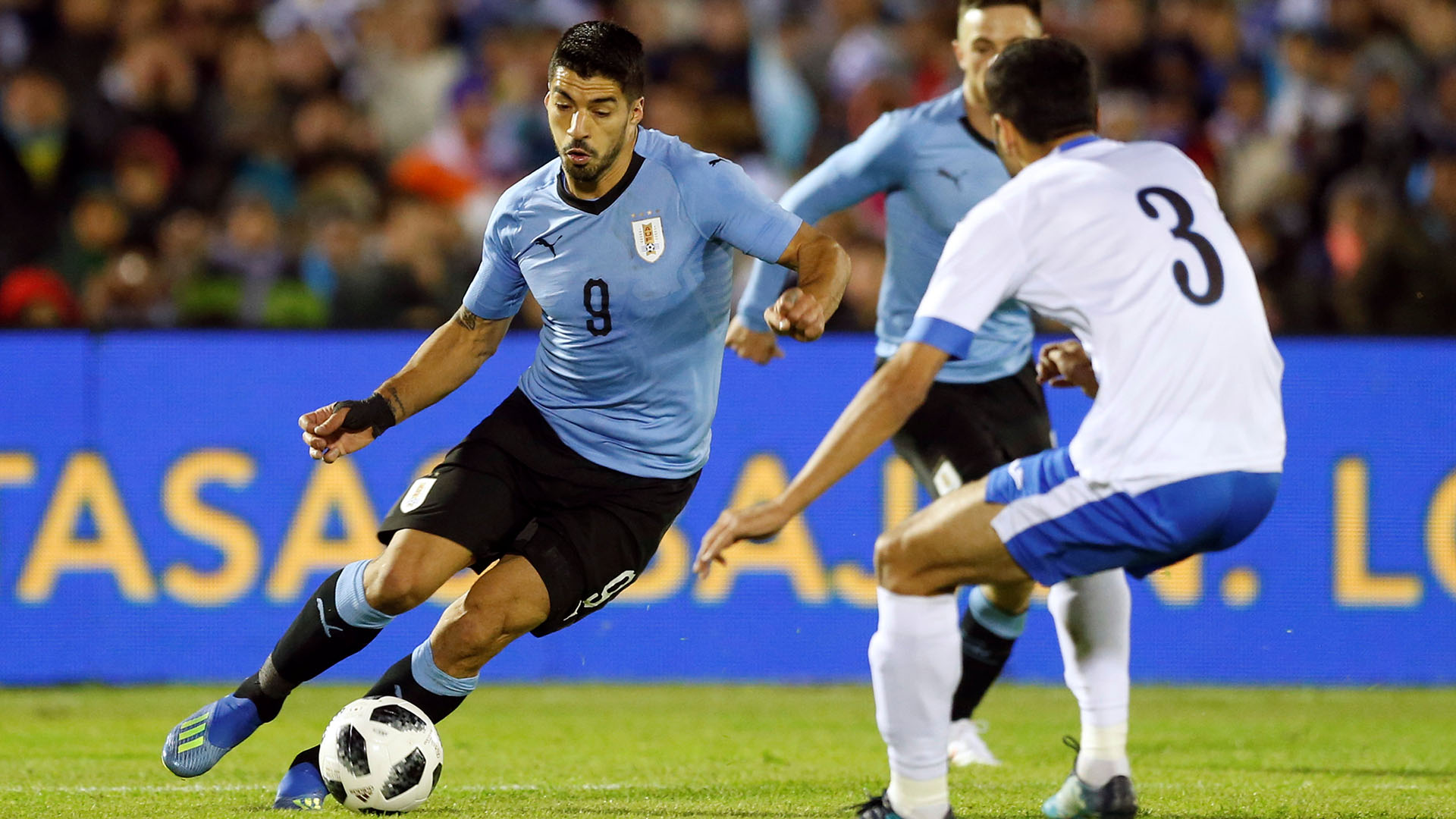 Suárez es titular (Reuters)