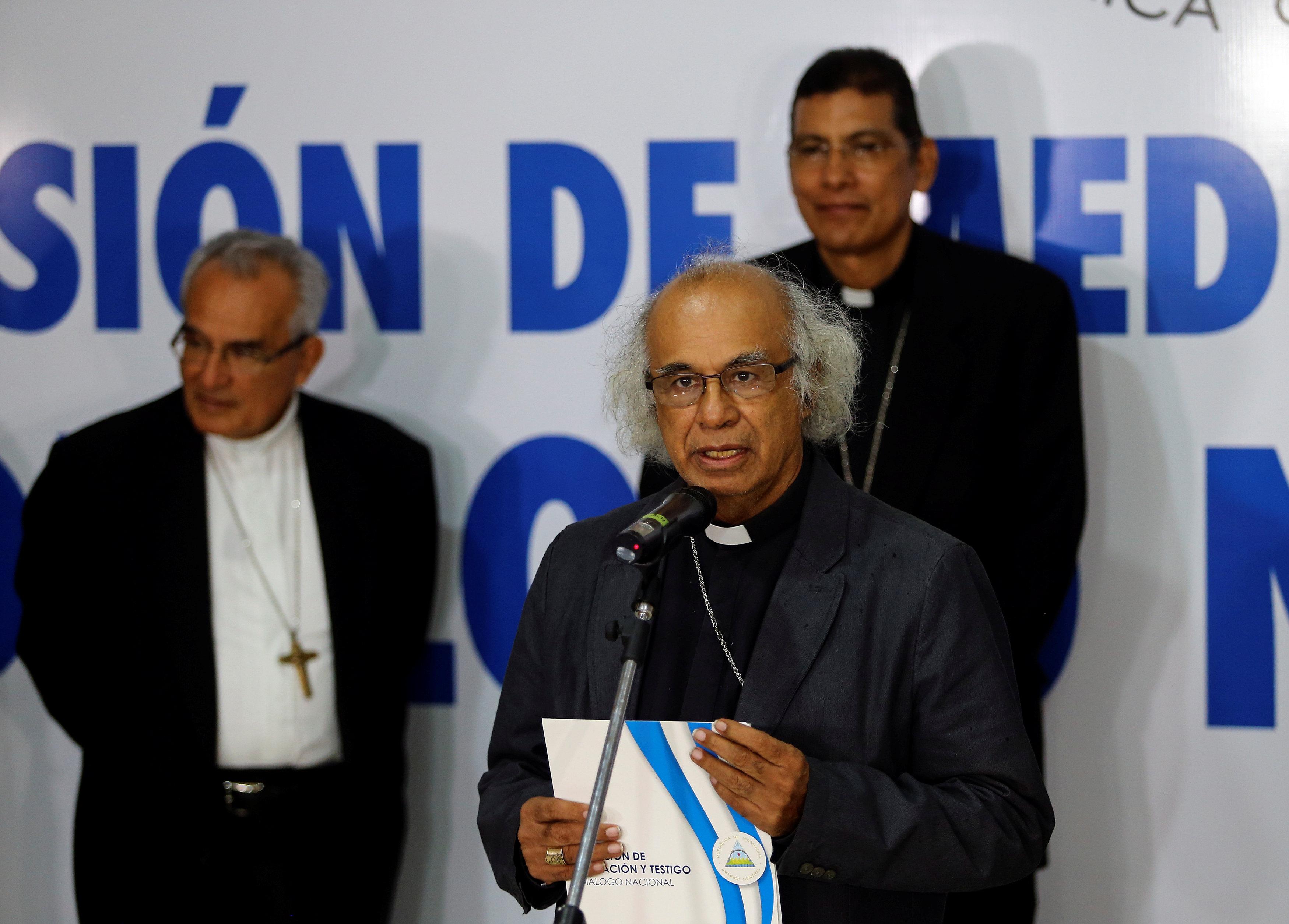 El cardenal Leopoldo Brenes durante la conferencia de prensa tras el encuentro con Daniel Ortega (REUTERS/Oswaldo Rivas)