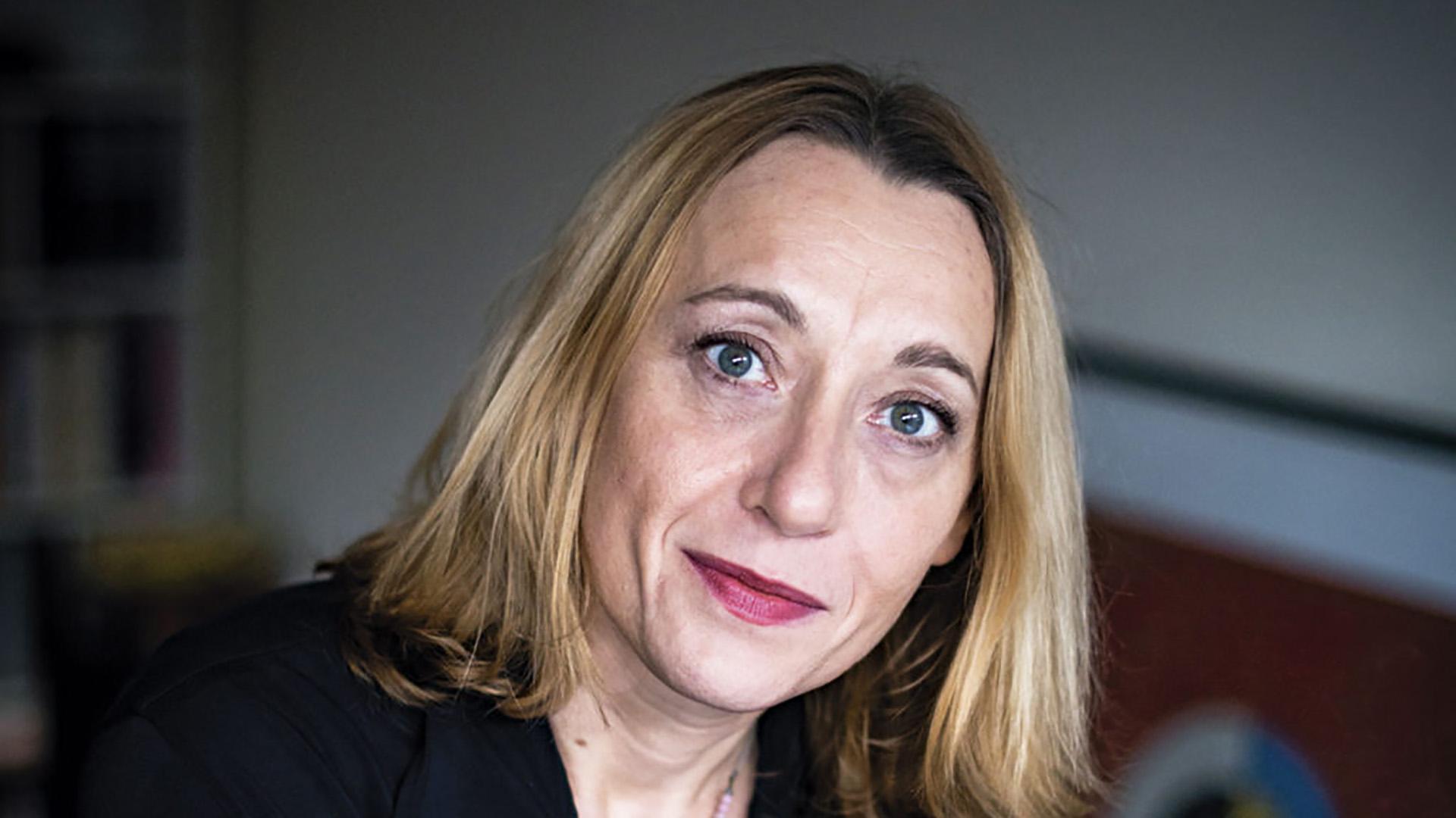 Quién es Virginie Despentes, la escritora feminista que revoluciona Francia  - Infobae