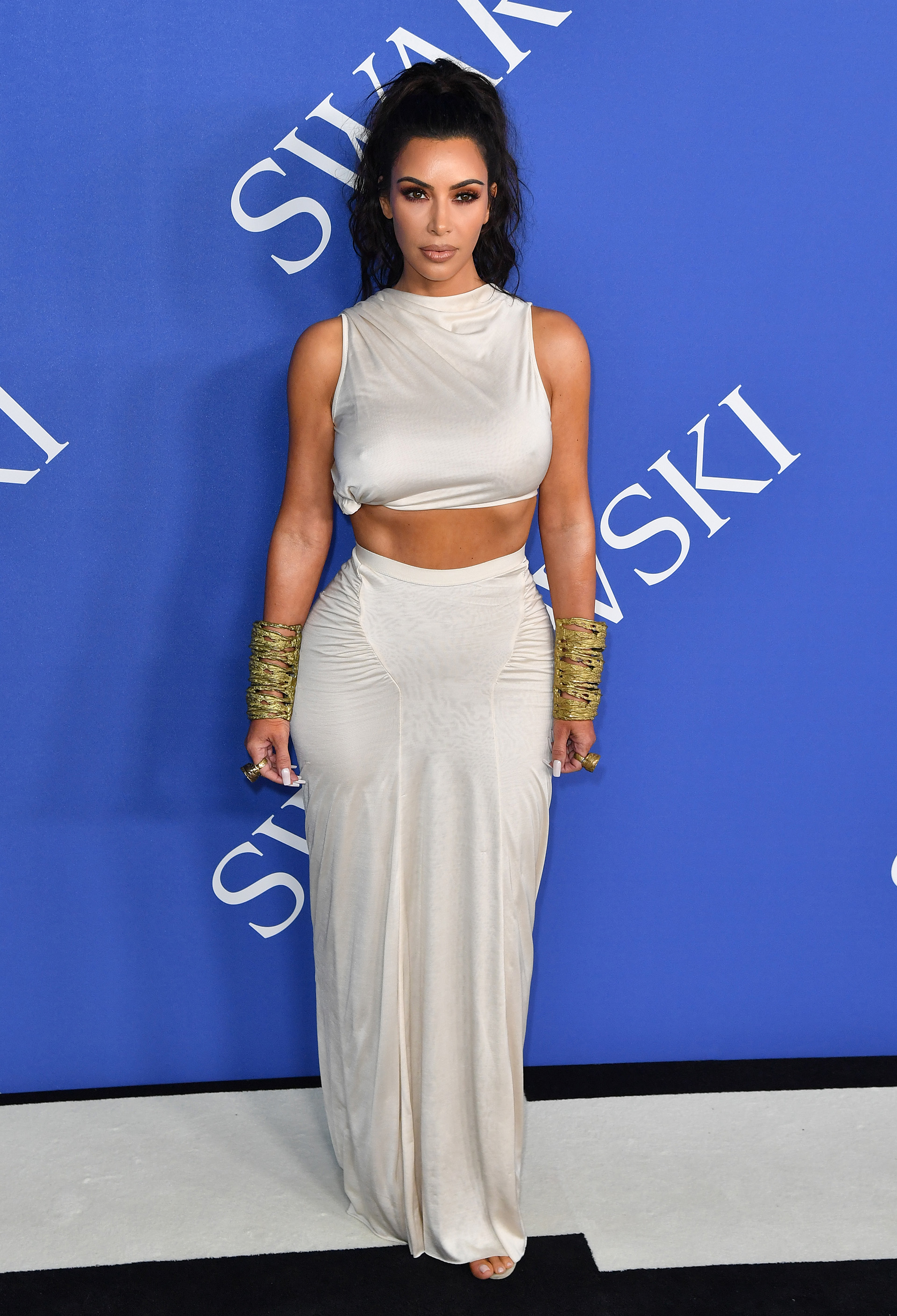 Kim Kardashian con un look sexy a su llegada a la entrega de los CFDA Fashion Awards 2018, que se llevó a cabo en The Brooklyn Museum, en New York