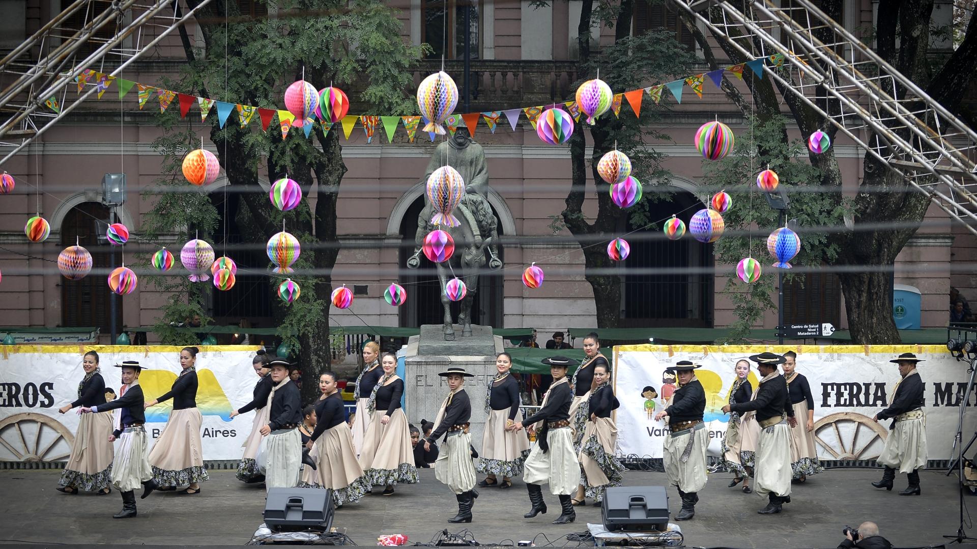 La feria de Mataderos es una de los eventos culturales históricos de la Ciudad de Buenos Aires