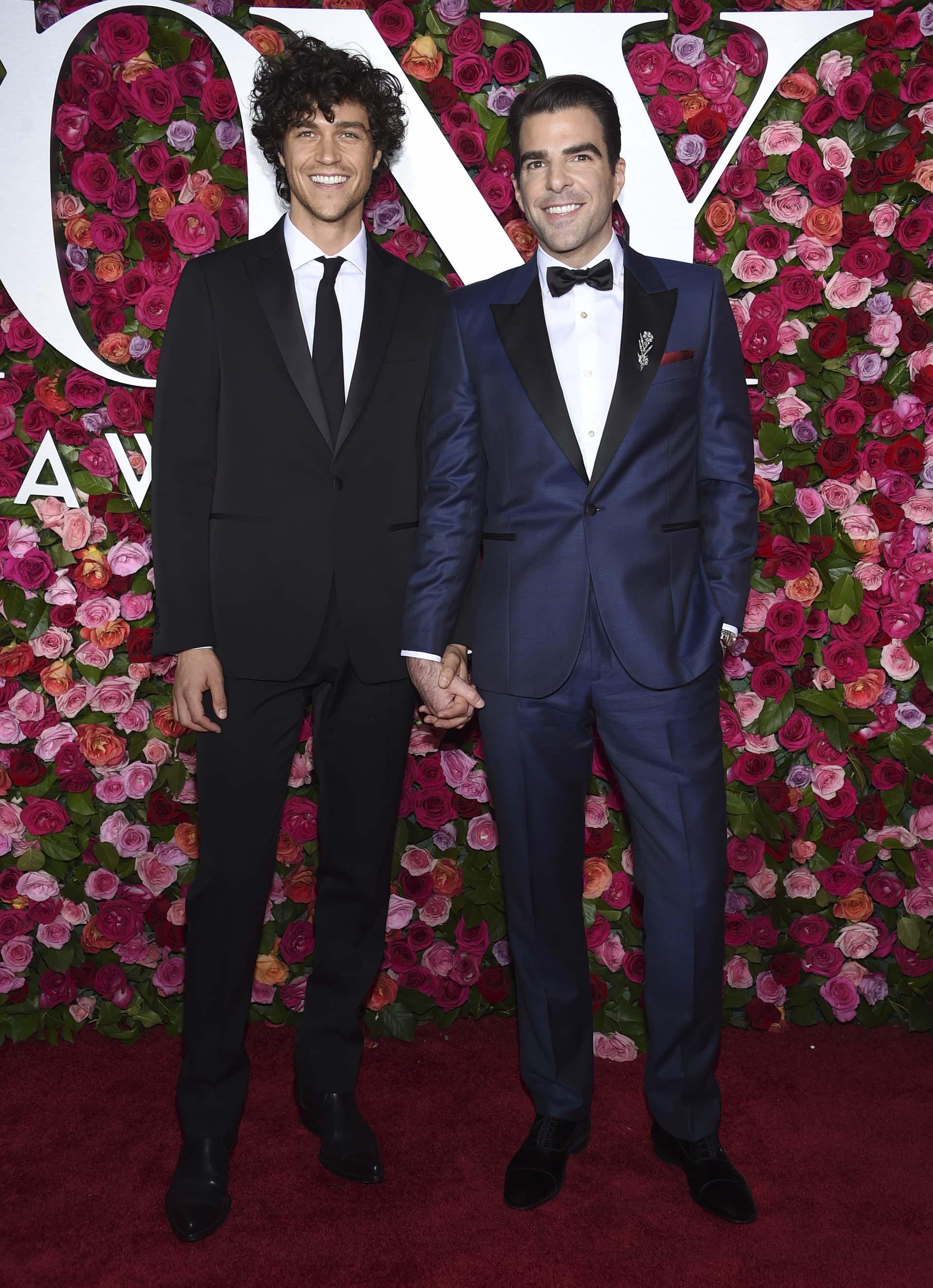 Miles McMillan y Zachary Quinto (Evan Agostini/Invision/AP)