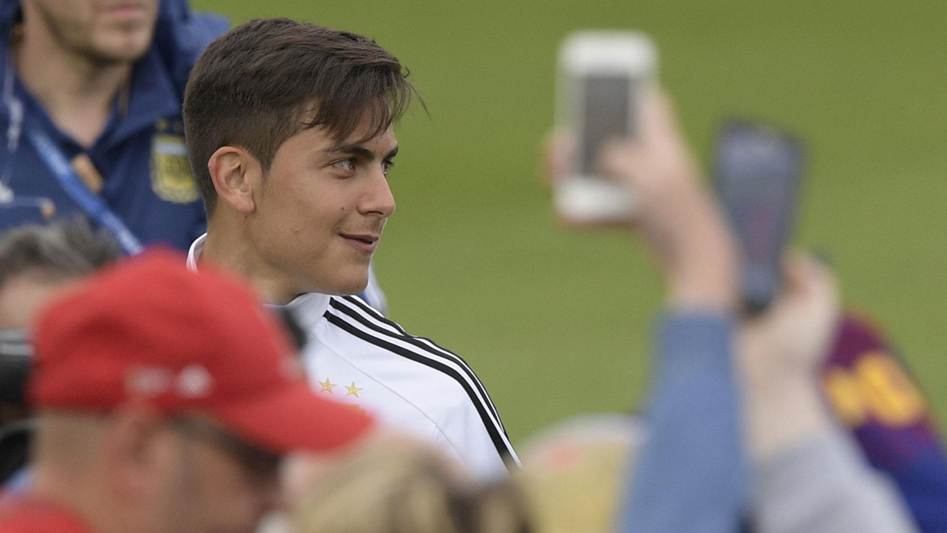 La sonrisa de Dybala, estrella de la Juventus y también muy reclamado por los hinchas