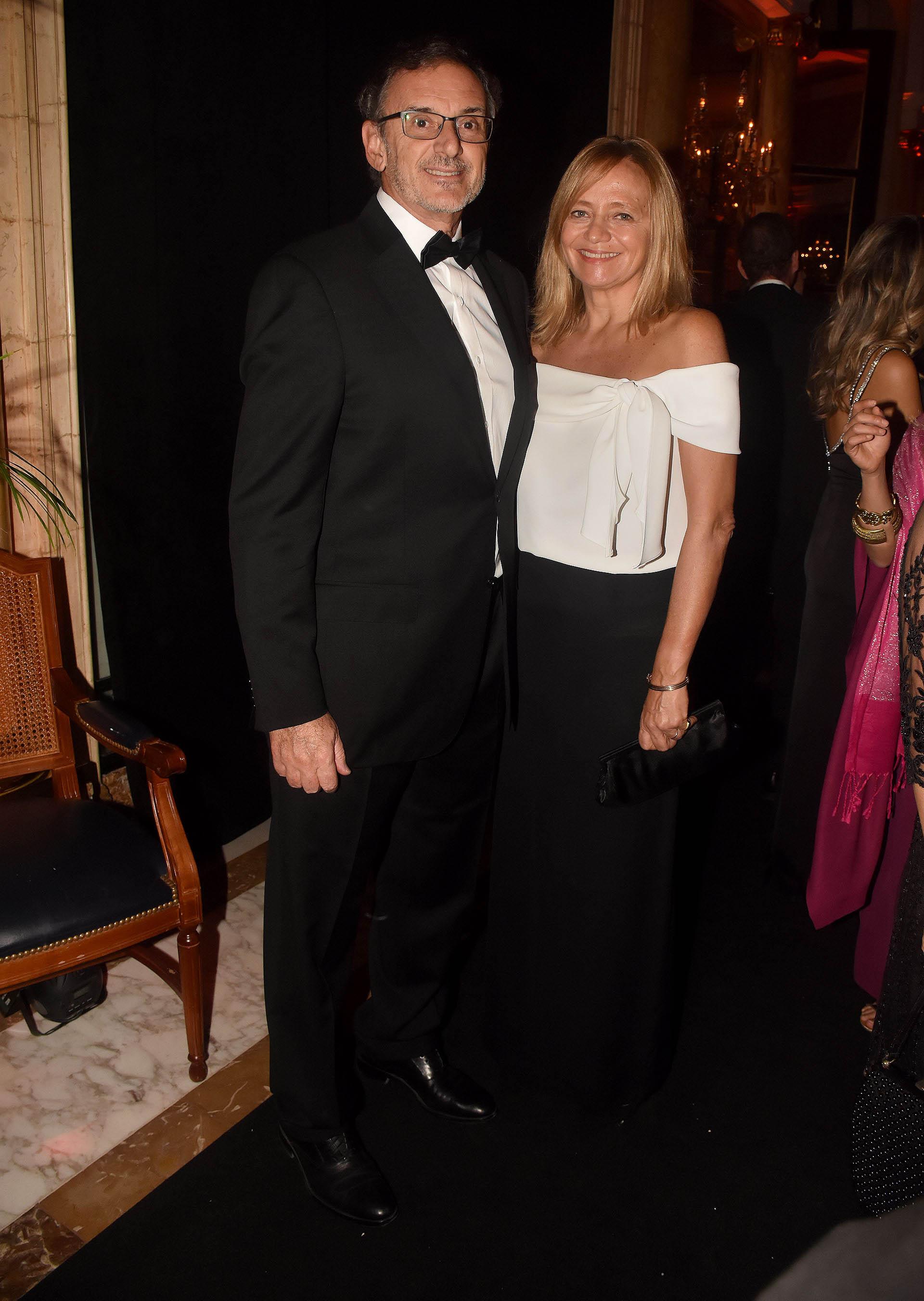 El presidente de la Asociación de Bancos de la Argentina (ABA), Claudio Cesario, y su mujer Nélida Barral
