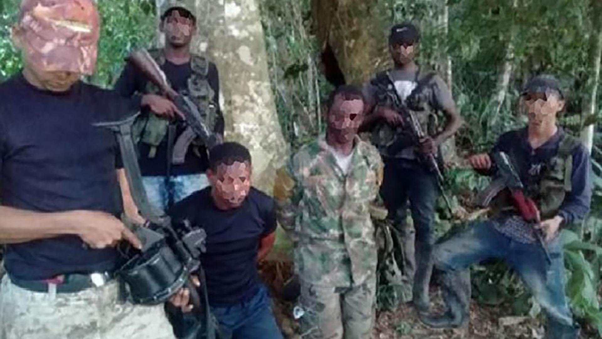 Integrantes de la subestructura de La Oficina tienen represados a dos hombres de las disidencias de las FARC para enviar un mensaje a su cabecilla, por la guerra que disputaban en Tumaco.