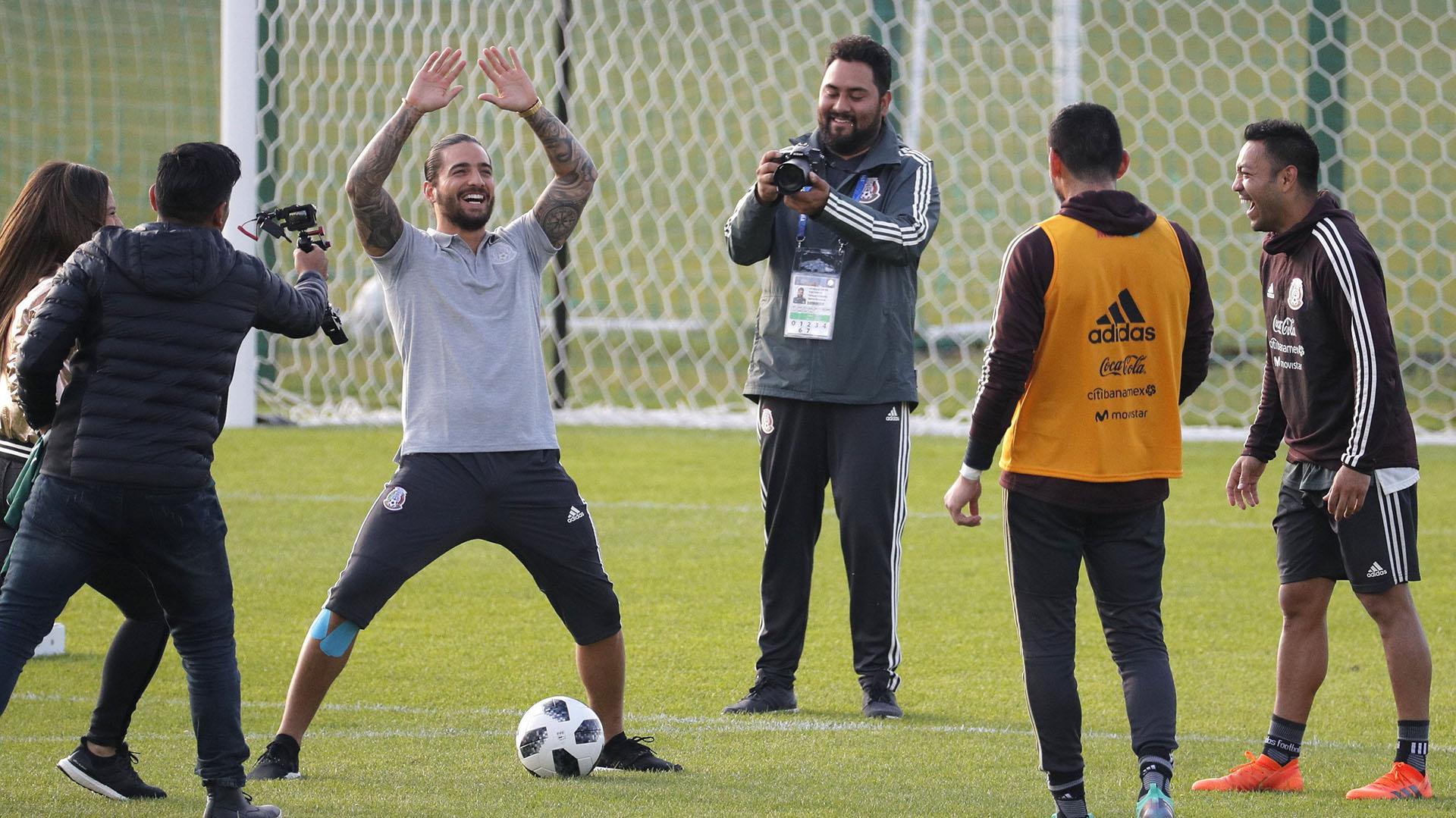 El estadio Strogino unió este martes al colombiano y a la selección mexicana de fútbol (EFE)