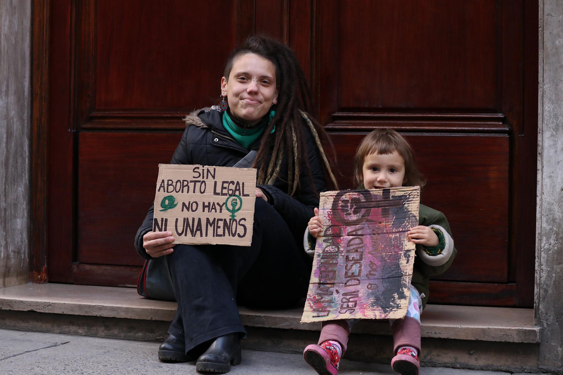 Padres e hijos, juntos a favor de que se legalice el aborto (Lihué Althabe)