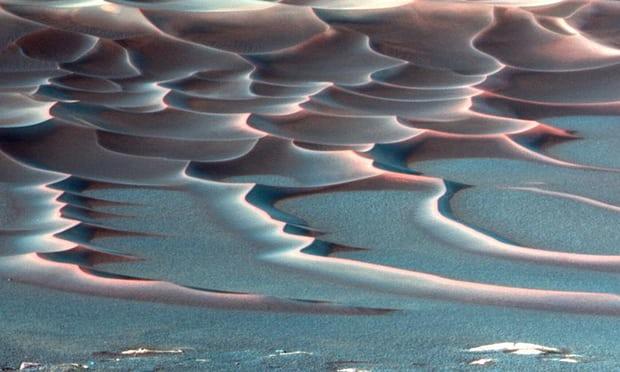 La foto de una tormenta de polvo en Marte tomada por el rover Opportunity en 2006 (AP)