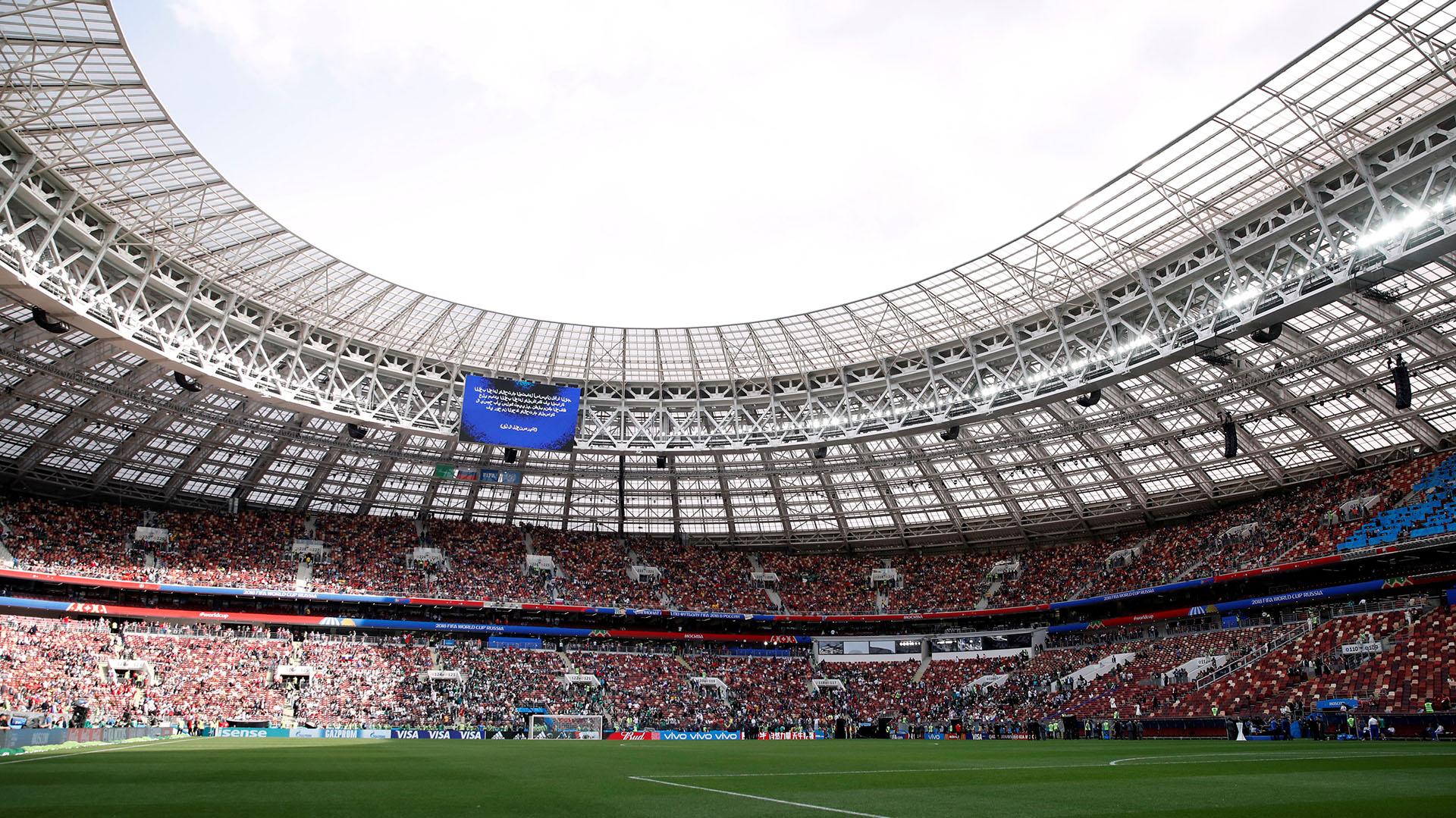 El Estadio Olímpico de Luzhniki comienza a colmarse a minutos de la ceremonia de apertura (Reuters)