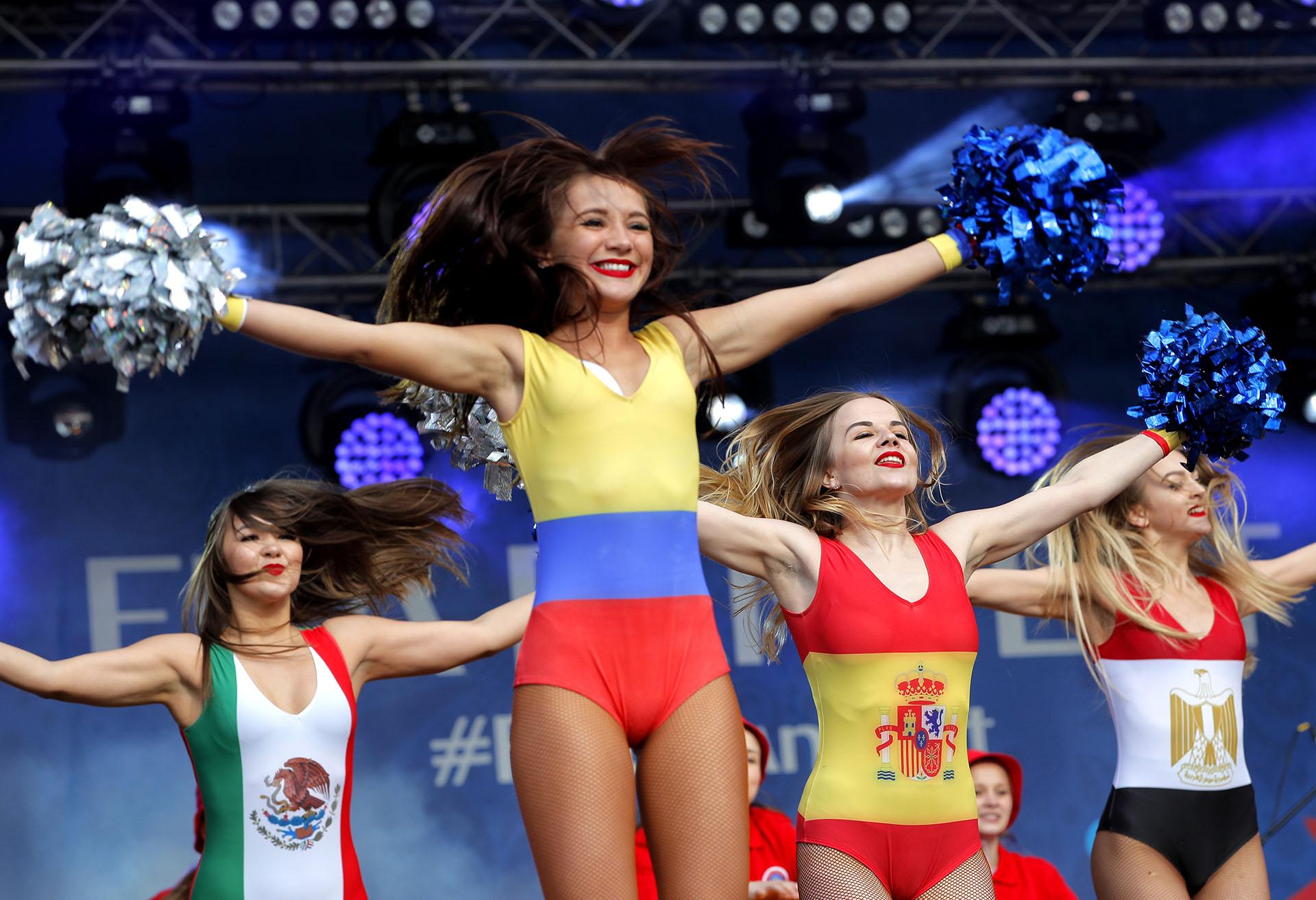 En simultáneo a la presentación en el Estadio Olímpico Kluzhniki, se celebró un espectáculo de inauguración también en el Fan Fest de Moscú (AP Photo/Vadim Ghirda)