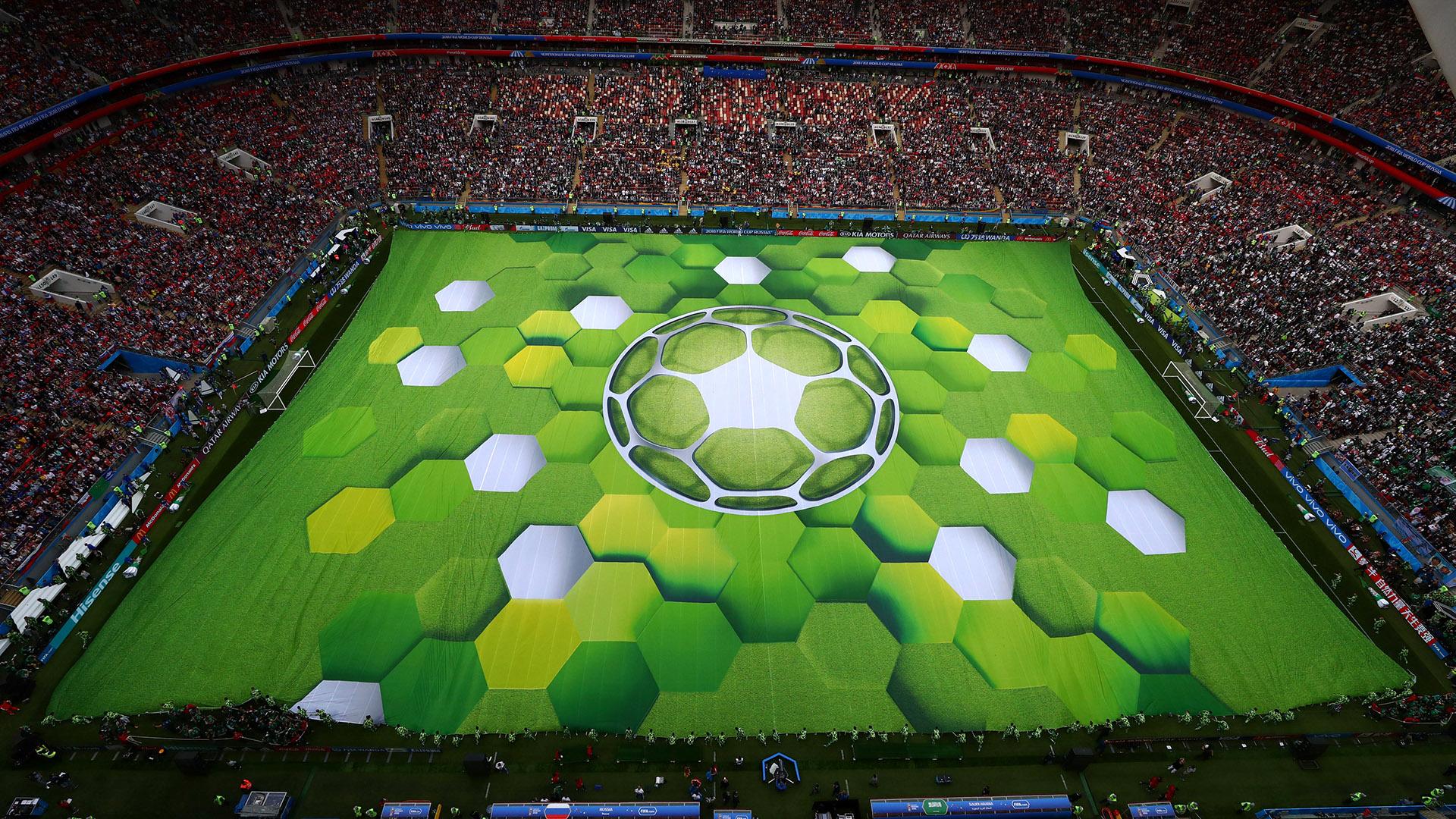 Moscú se vistió de gala para albergar el comienzo de la edición número 21 de la Copa del Mundo (REUTERS/Carl Recine)
