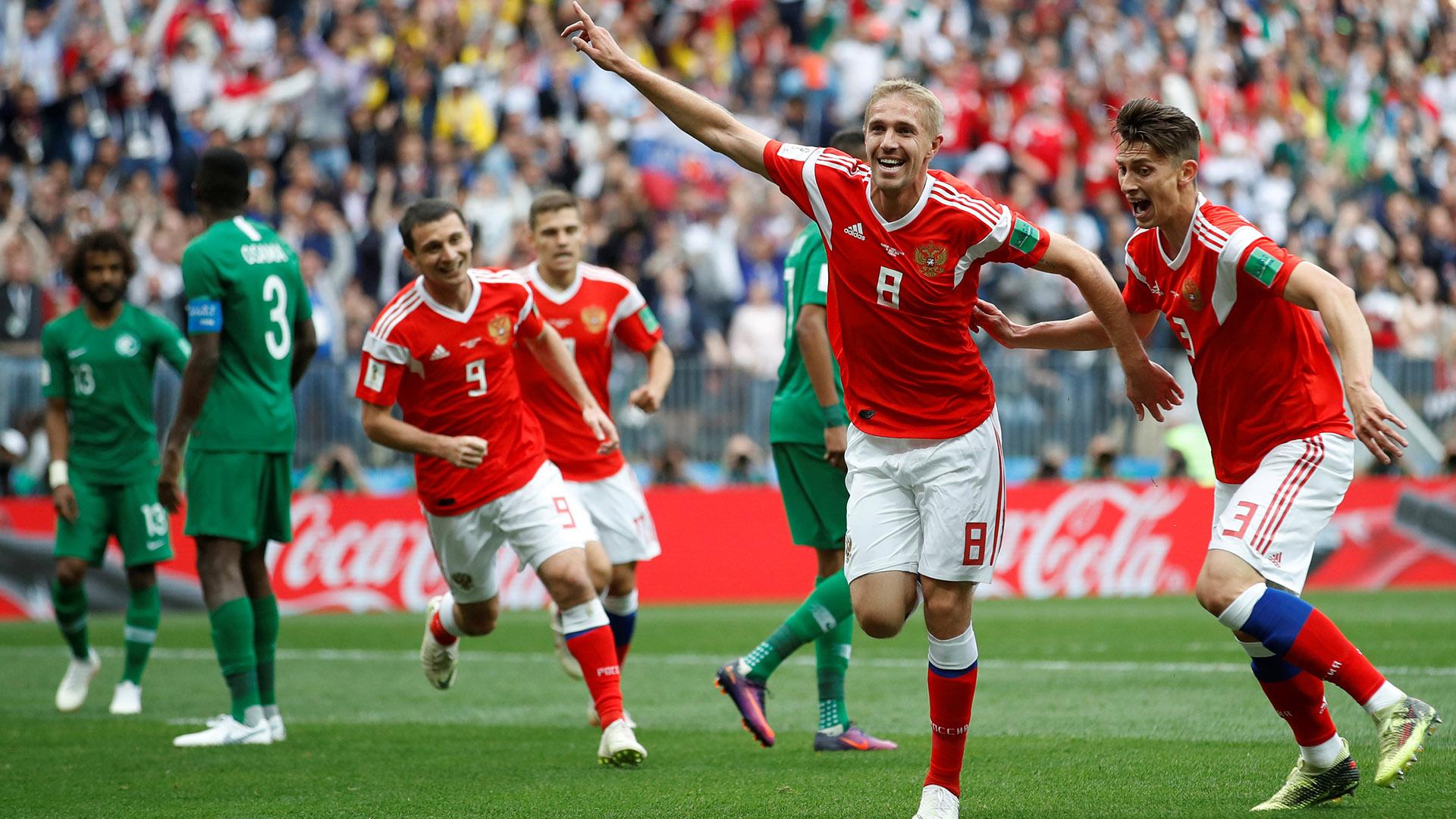 Yury Gazinsky convirtió el primer gol del Mundial a los doce minutos del primer tiempo (REUTERS/Carl Recine)