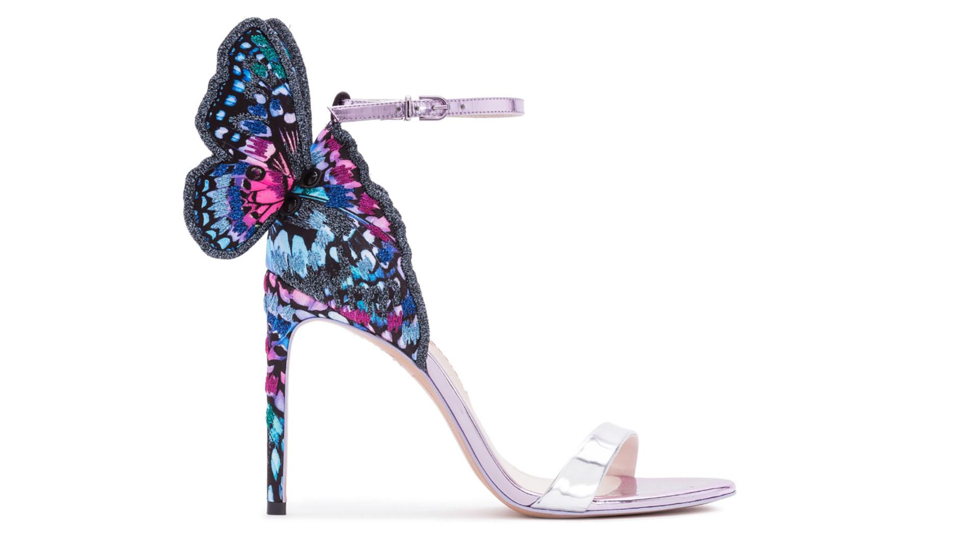 """615c8bfd7a Sophia Webster se destaca por presentar siempre diseños de zapatos  """"llamativos"""" y diferentes."""