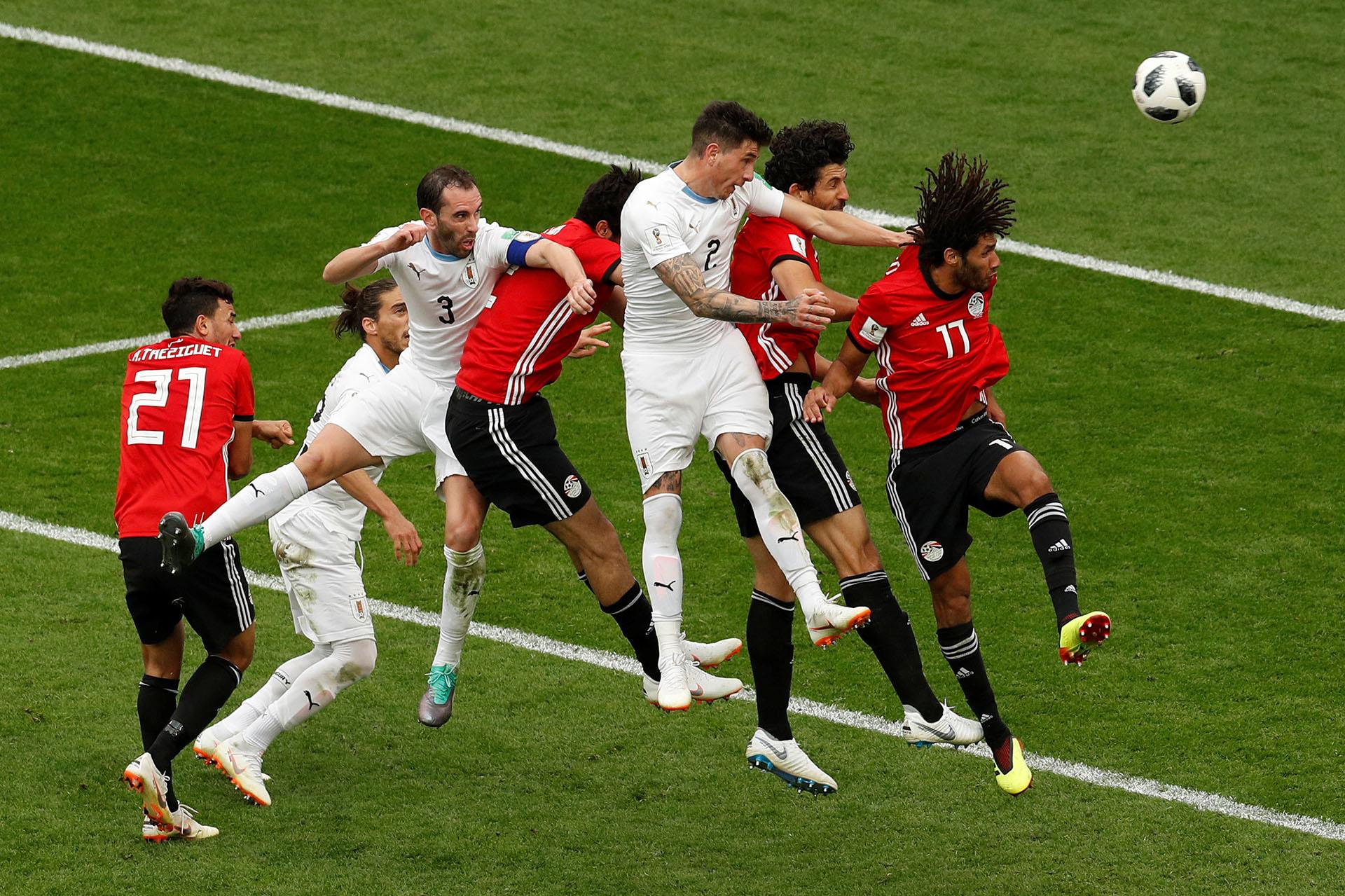 Uruguay consiguió la victoria sobre el final