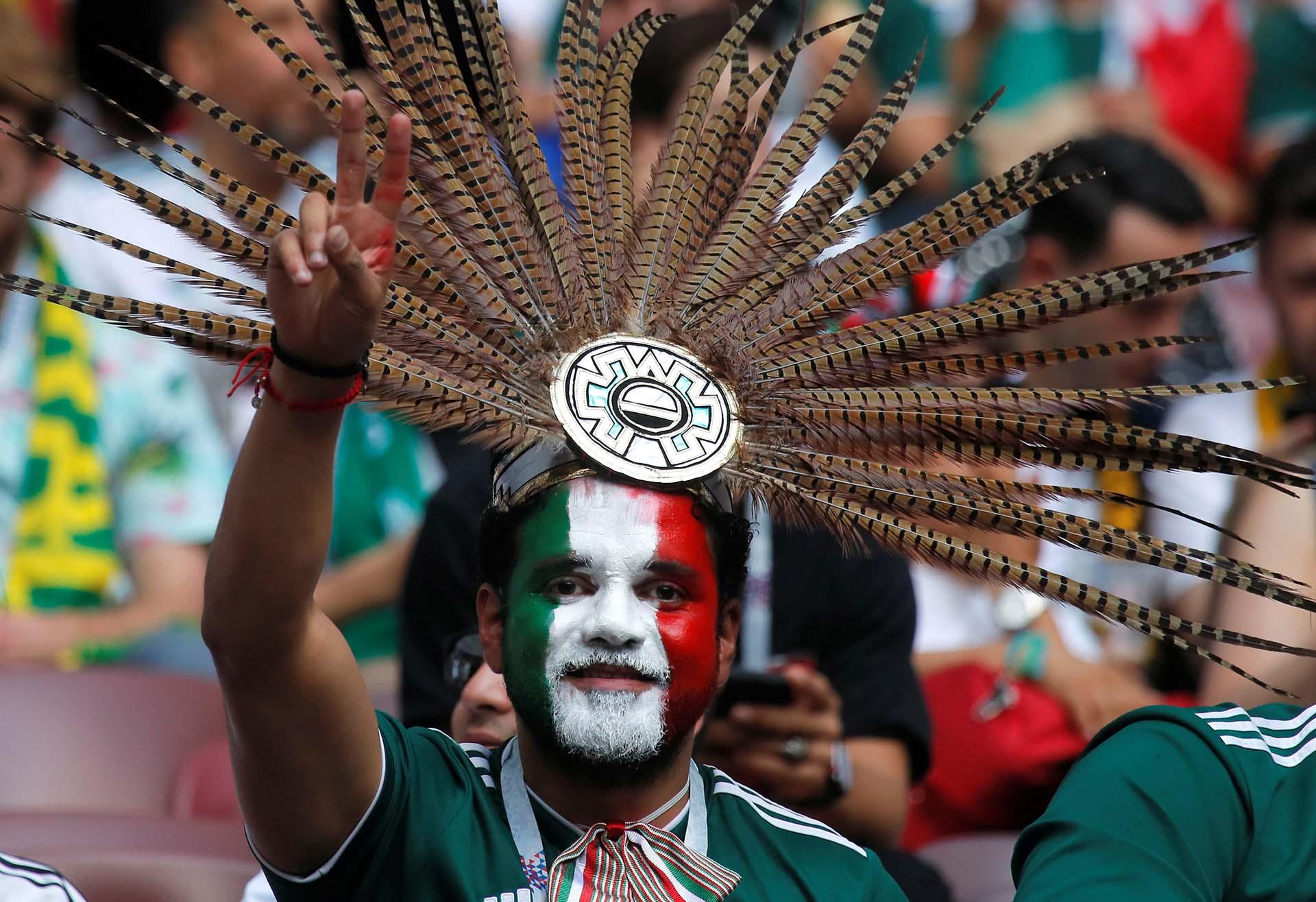 Los fanáticos mexicanos, preparados para el partido ante Alemania