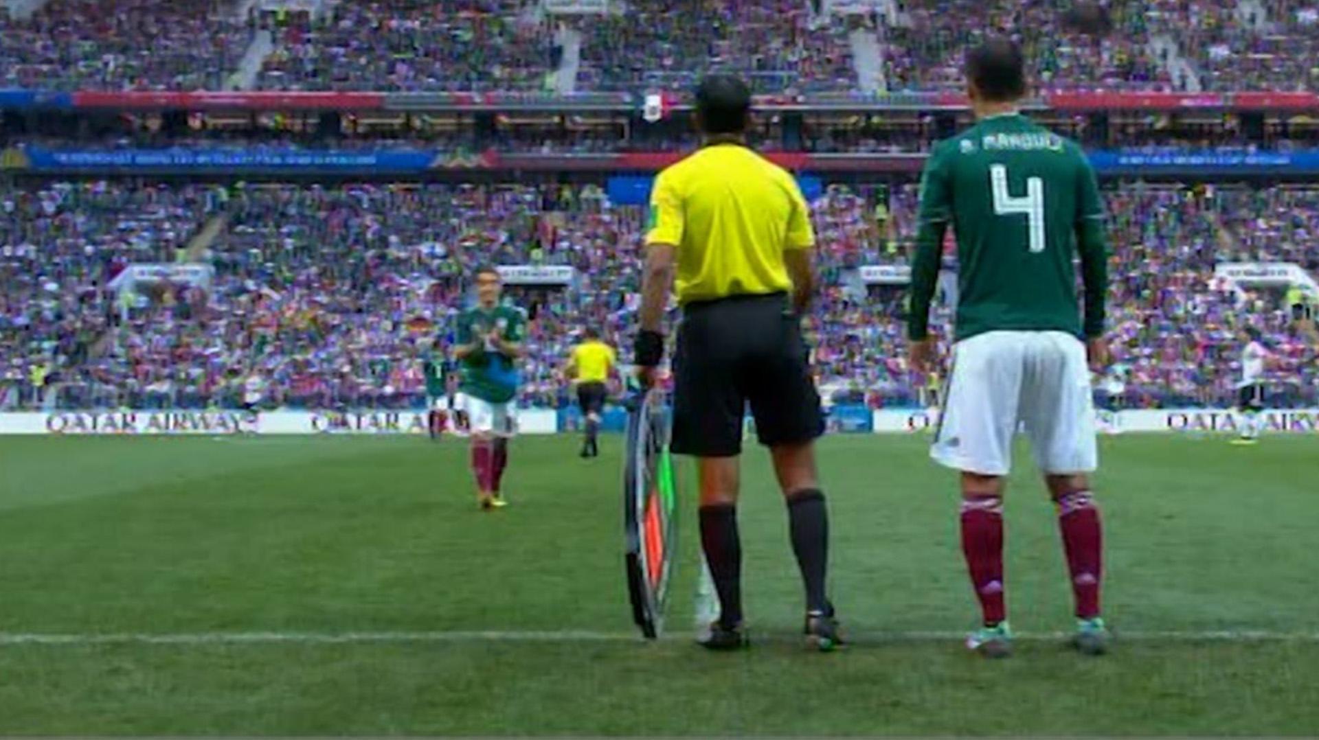 Márquez ingresa a la cancha contra Alemania en el debut mexicano en Rusia 2018 para jugar su quinto Mundial (Foto: Captura de pantalla)