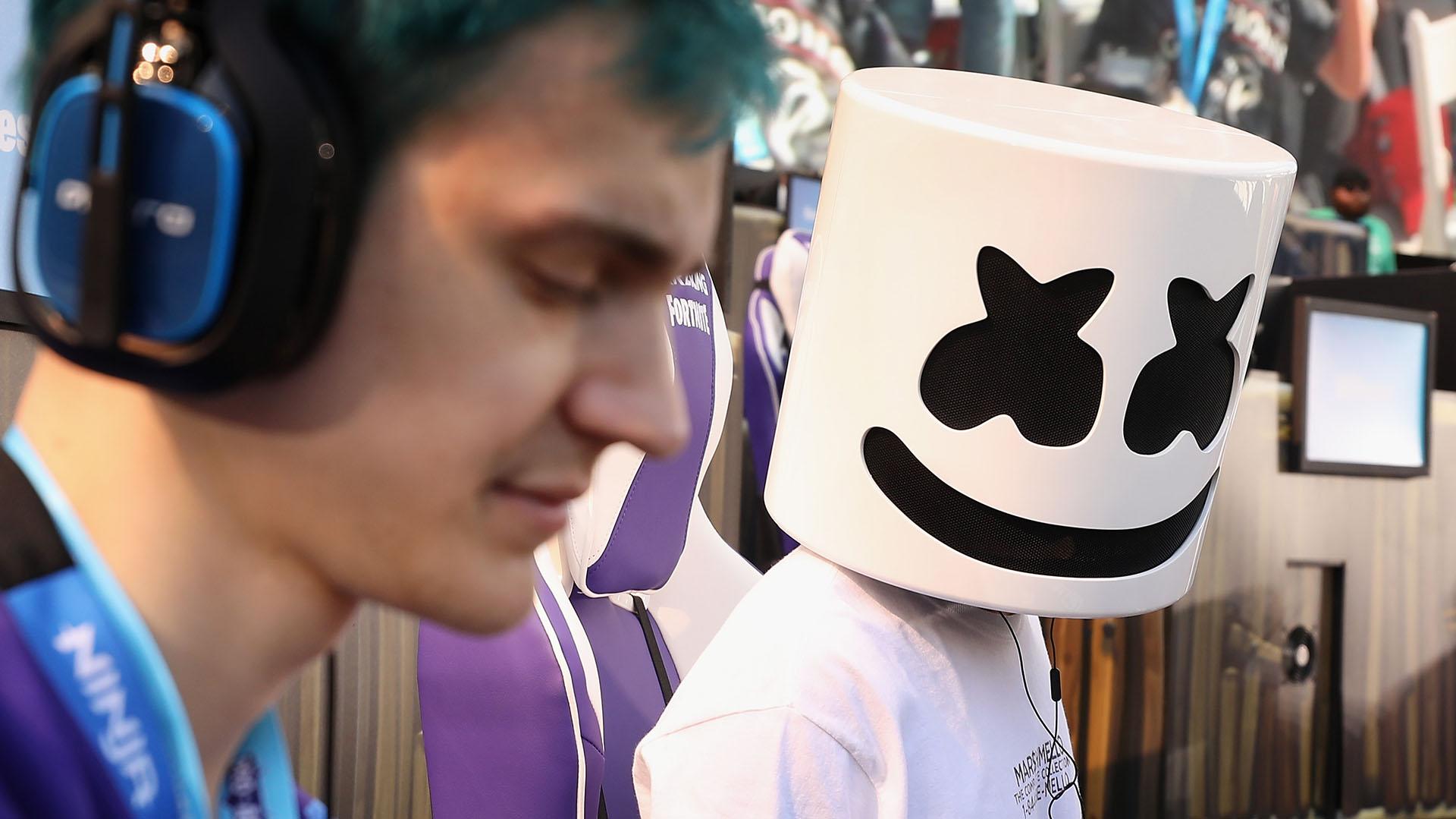 El DJ Marshmello no revela su rostro y se oculta tras una máscara