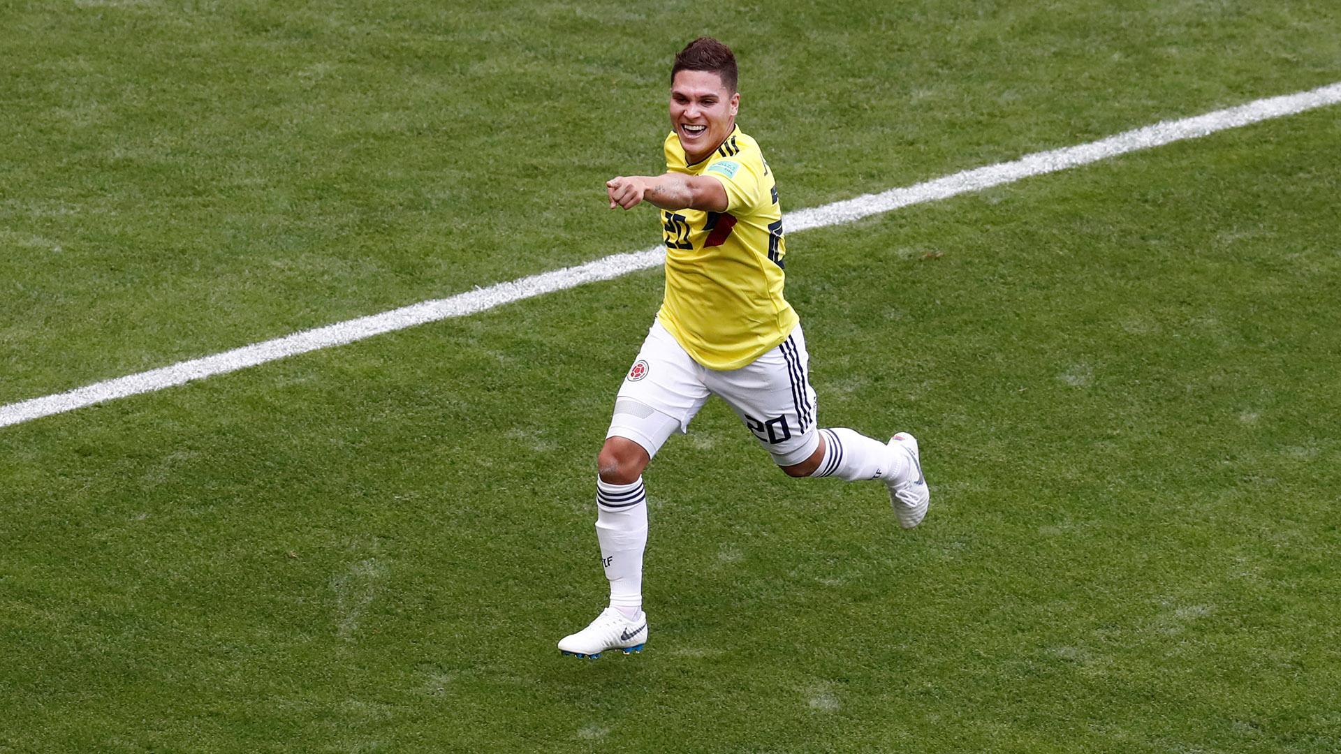Juan Fernando Quintero celebra el gol ante Japón en Rusia.