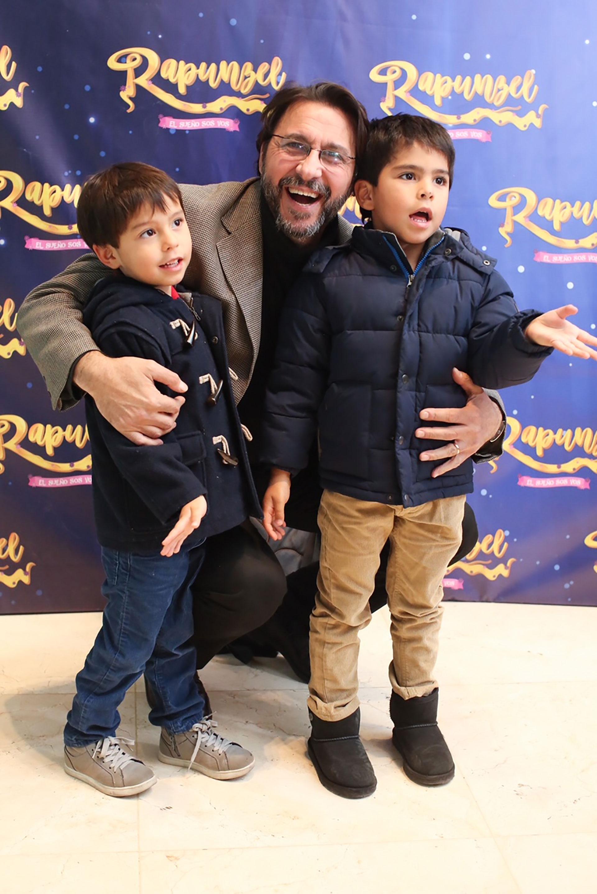 Miguel Habud y su familia