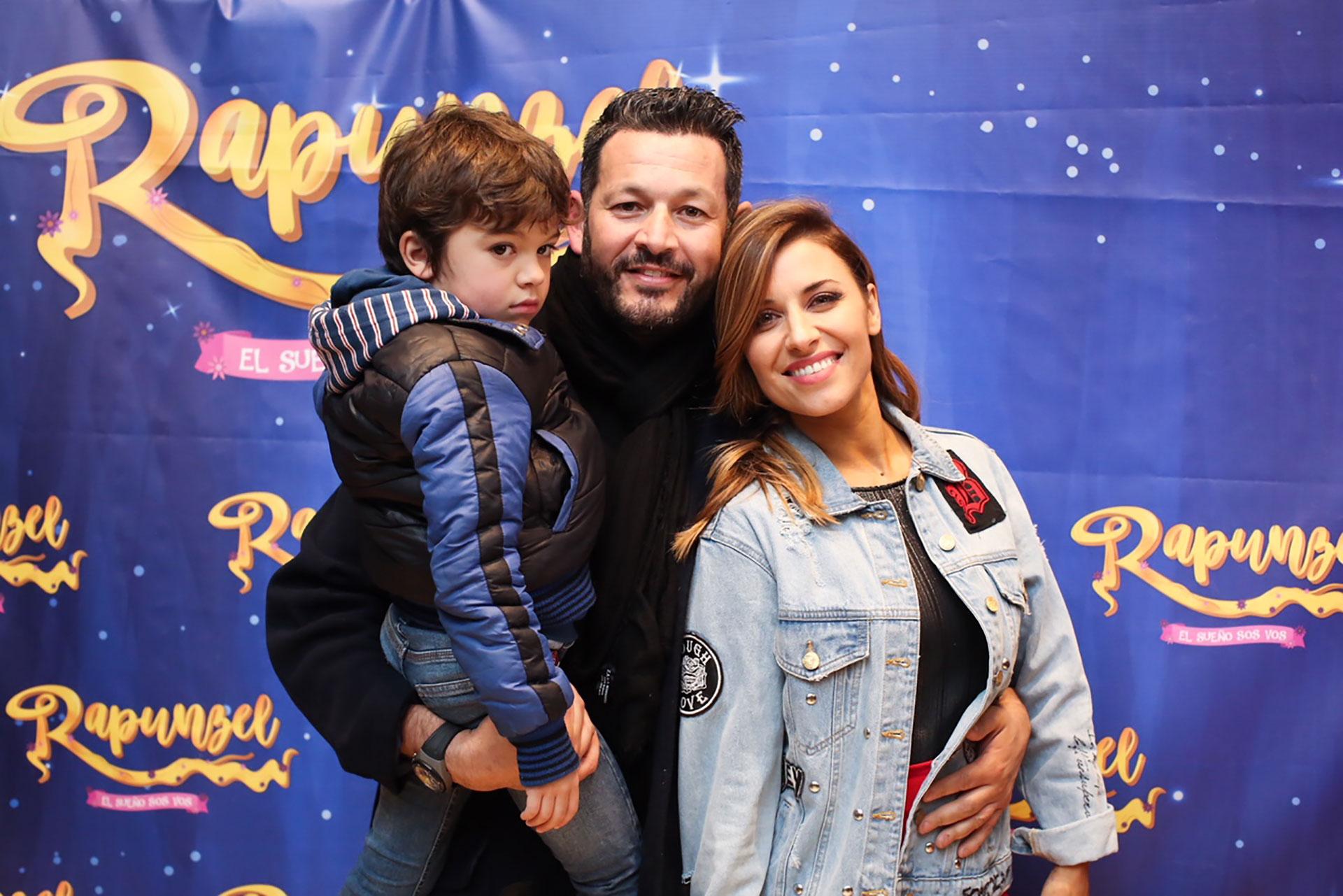 Mariana Brey y su familia