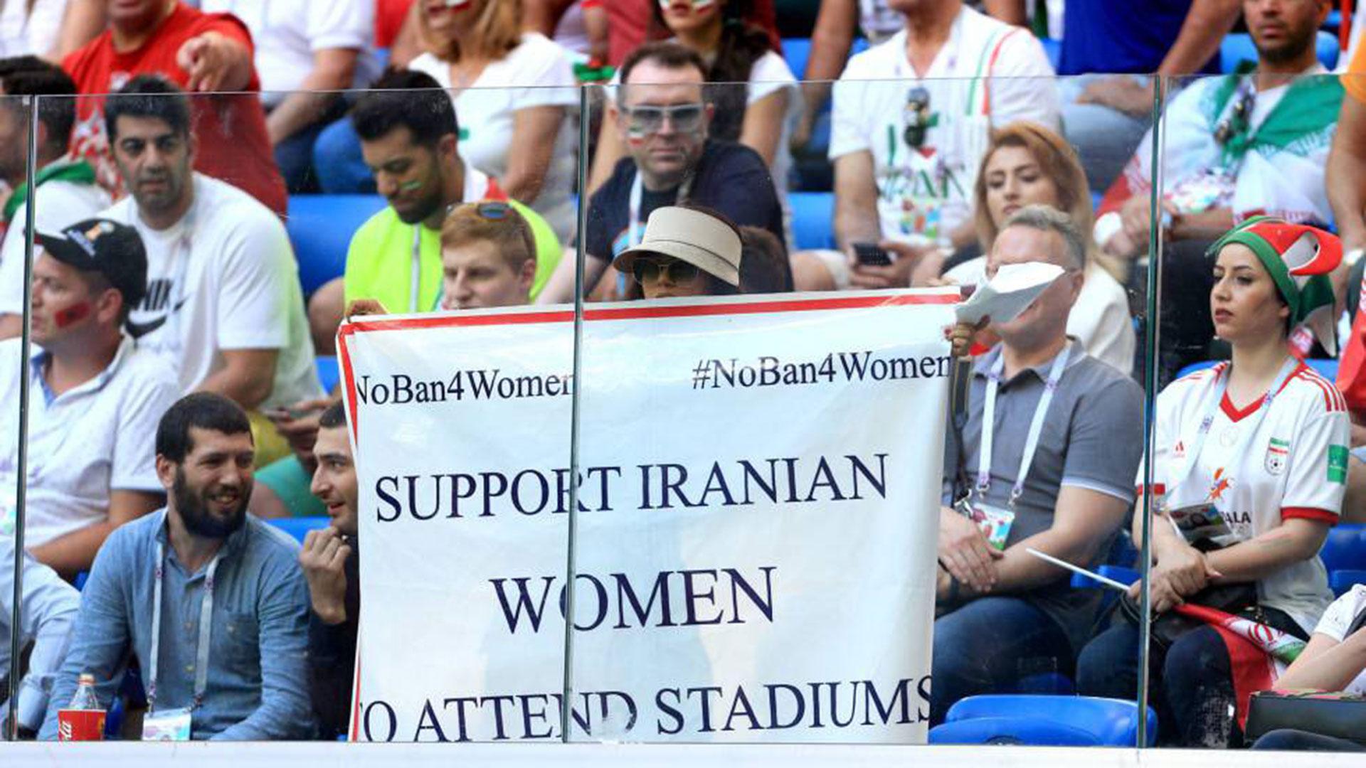 Las simpatizantes de Irán reclaman sus derechos bajo el lema #NoBan4Women