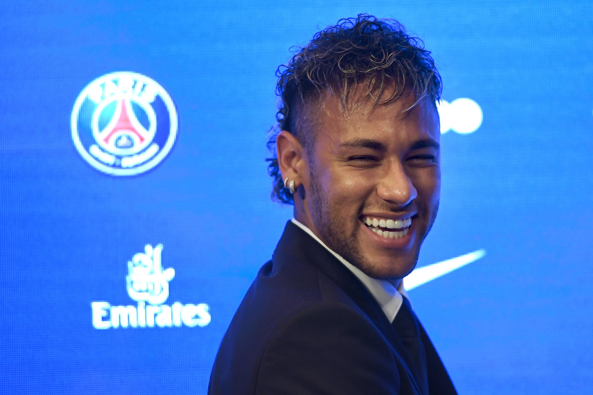 Neymar, Brasil, 26 años, en pareja (AFP)