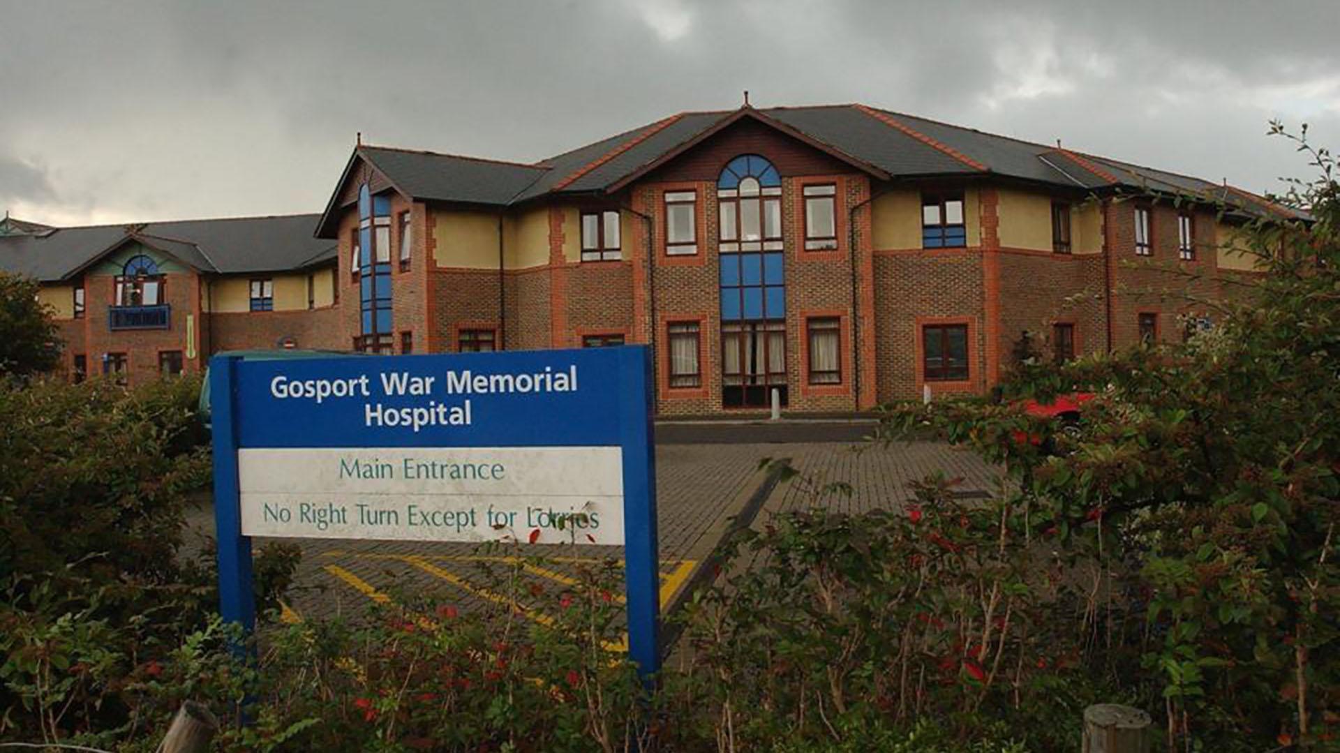 Las muertes ocurrieron entre 1988 y 2000 en el hospital público de Gosport, en el sur de Inglaterra