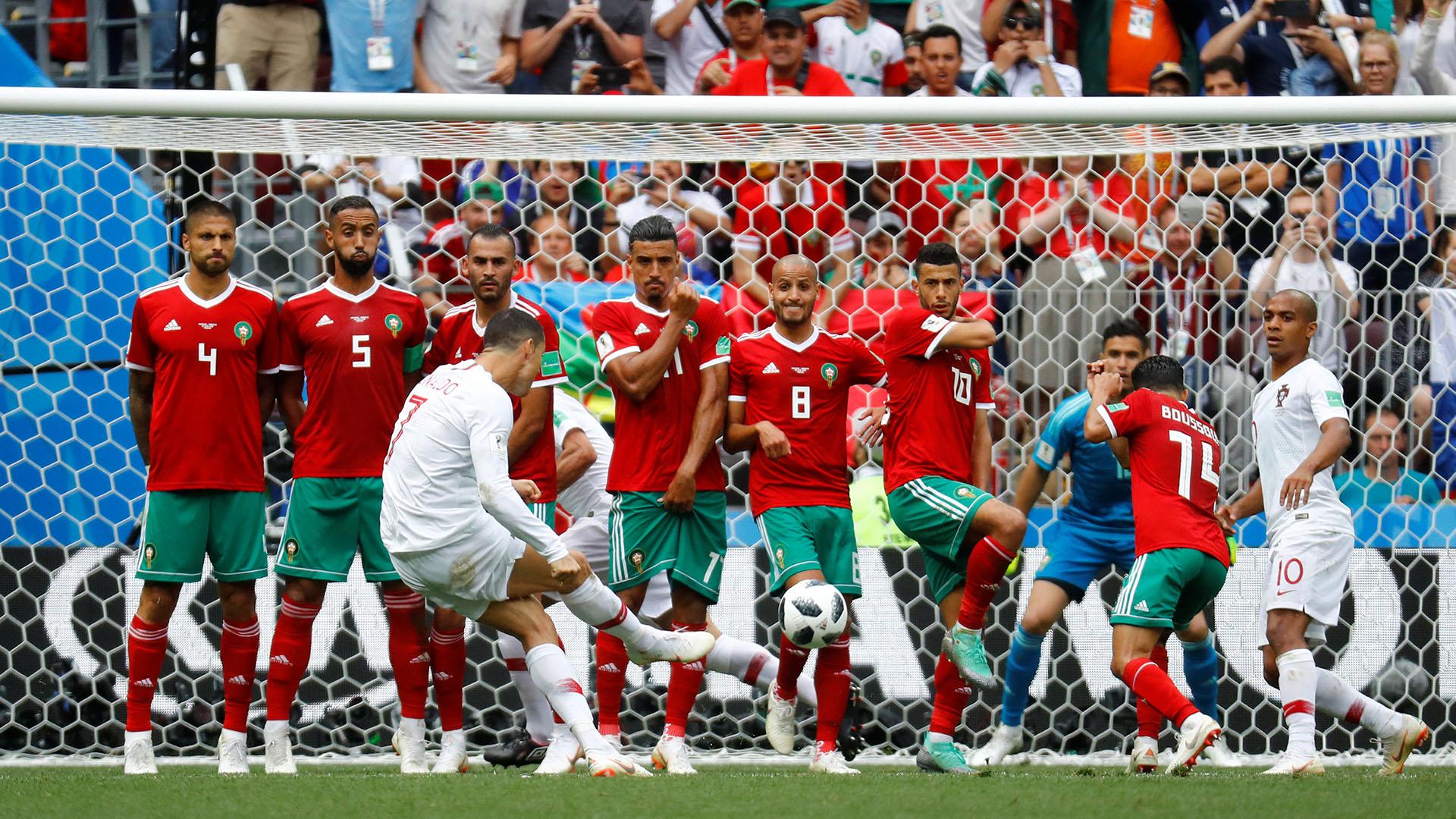 No fue una buena ejecución, pero todos bailan al ritmo de Cristiano en la barrera. Frente a Marruecos falló en los tiros libres que tuvo al borde del área. Reuters
