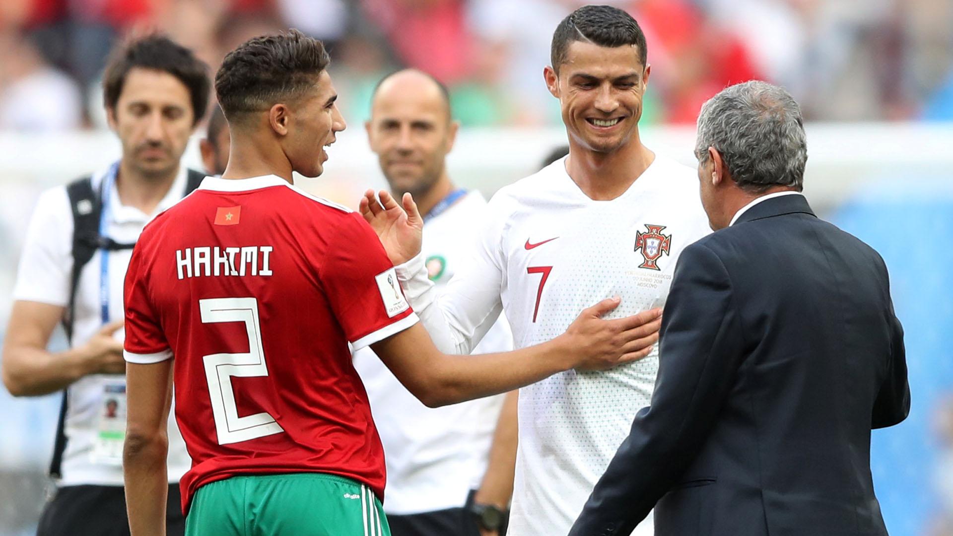 Todo risas. Cristiano Ronaldo saluda a los rivales luego del triunfo frente a Marruecos.REUTERS/Carl Recine