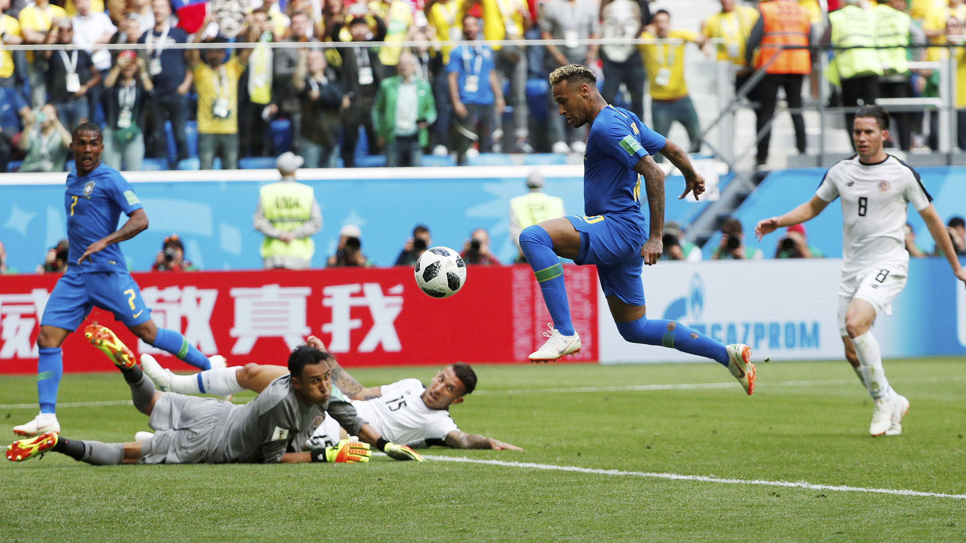 Neymar logró batir al arquero del Real Madrid