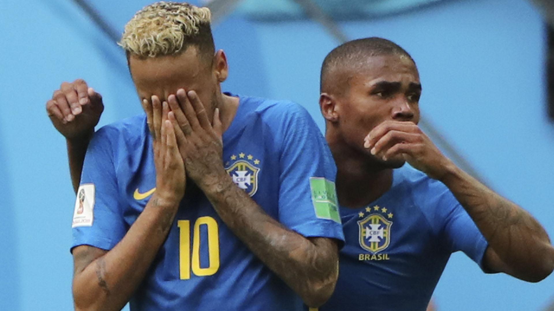 Neymar se emocionó tras marcar el segundo gol de Brasil