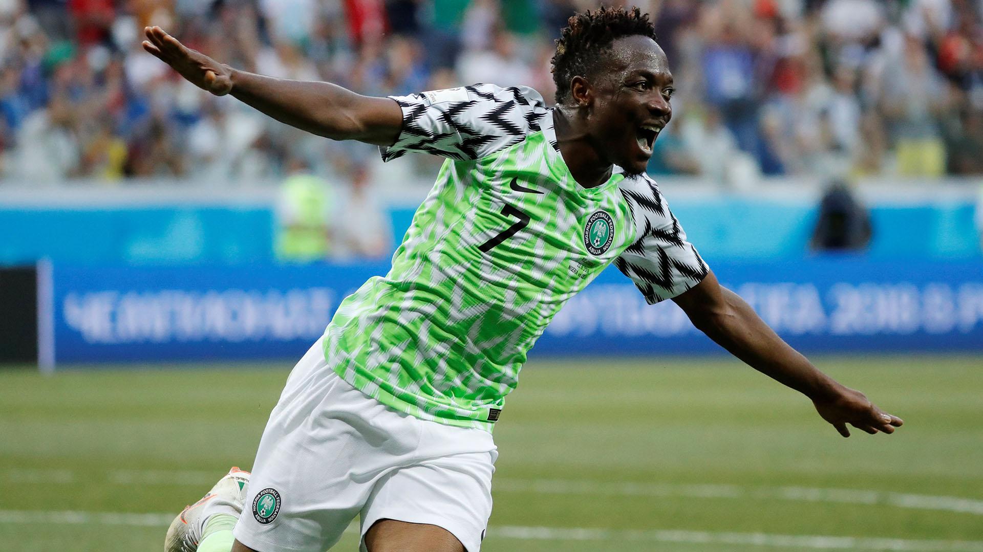 Ahmed Musafigura de Nigeria en el triunfo ante Islandia(REUTERS/Toru Hanai)