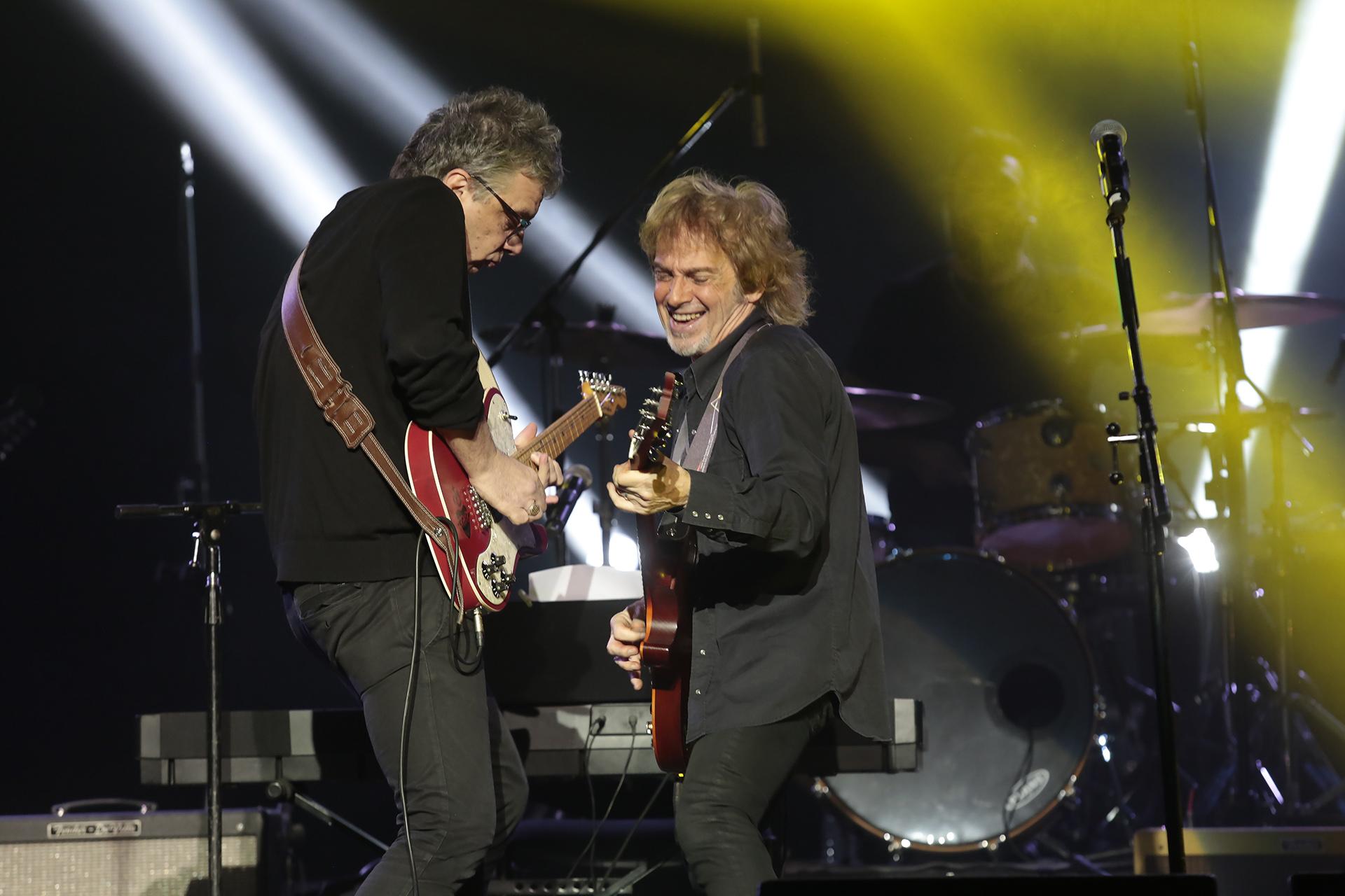 ¡Que sea rock! Juanse y Raúl, en un duelo de guitarras